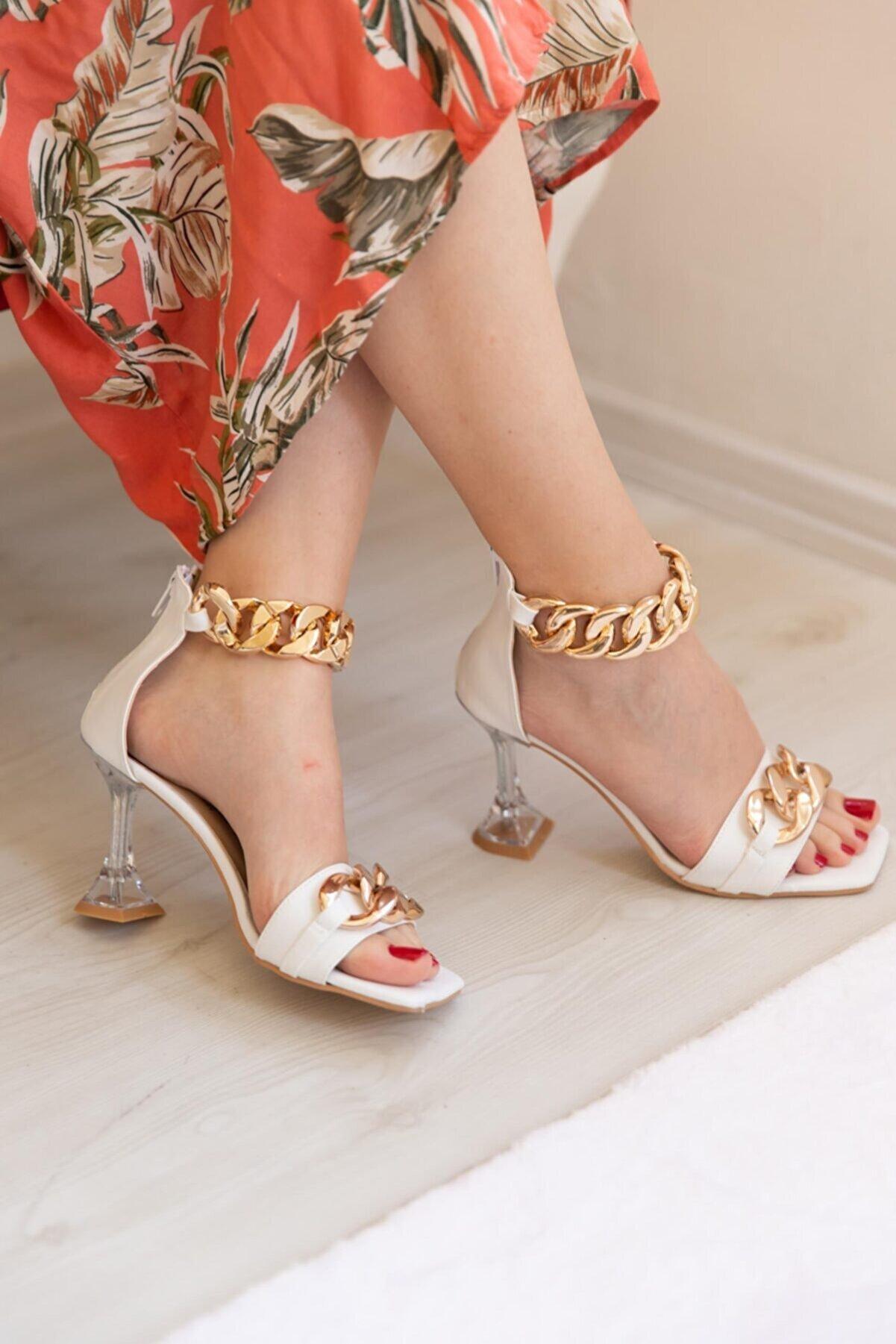 SHOEBELLAS Kadın Beyaz Zincirli Topuklu Ayakkabı