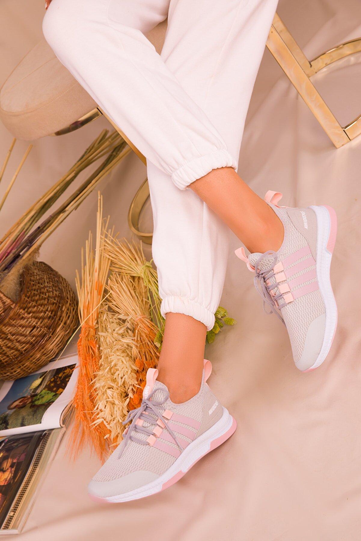 Soho Exclusive Buz-Pudra Kadın Sneaker 15195