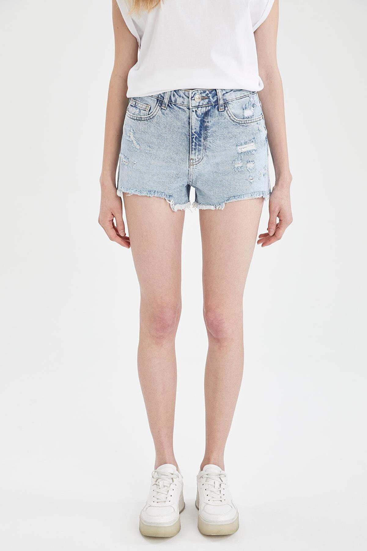 Defacto Kadın Mavi Yüksek Bel Yırtık Detaylı Jean Mini Şort