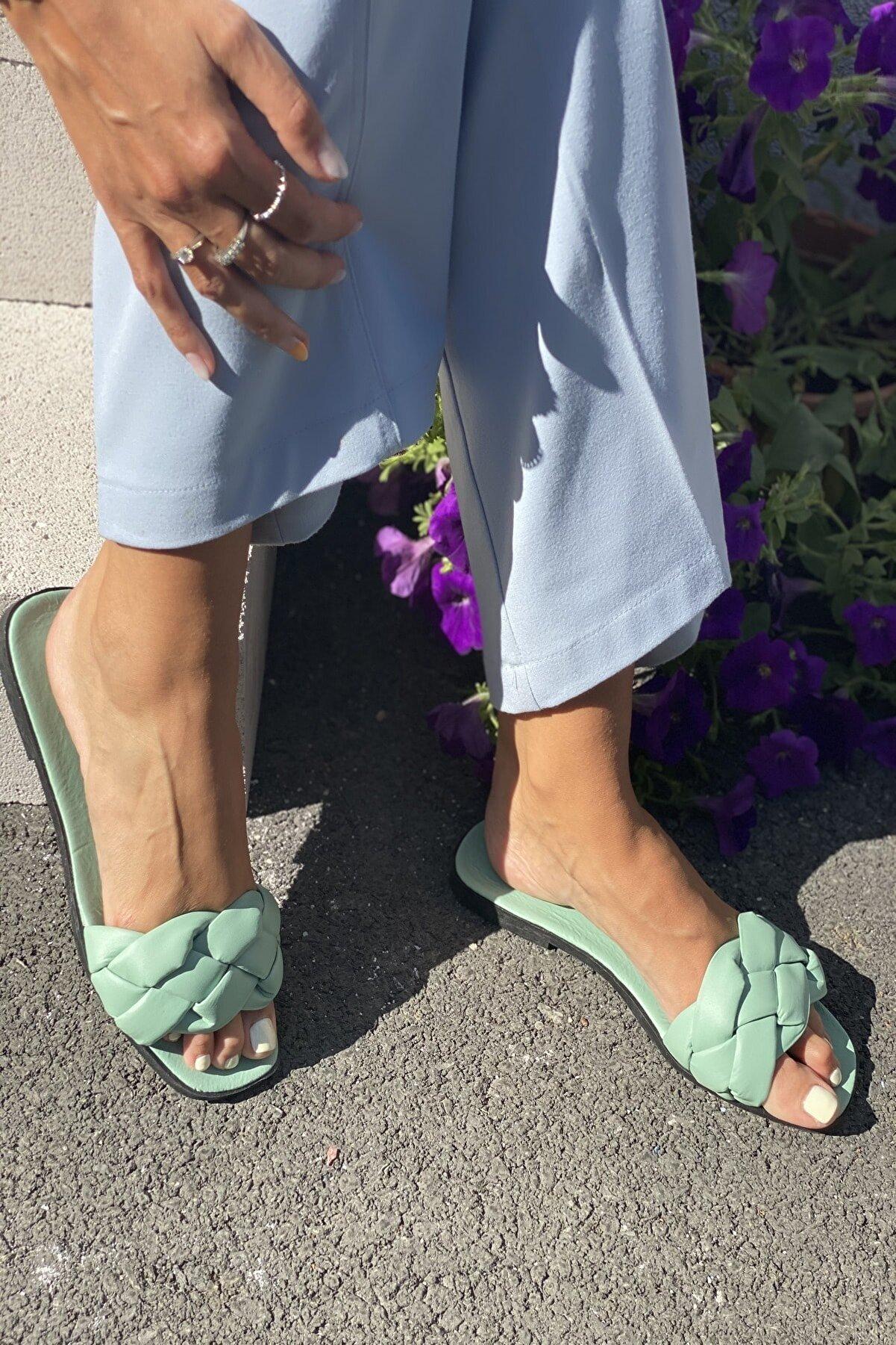 İnan Ayakkabı Kadın Su Yeşili Örgülü Bant Detaylı Terlik