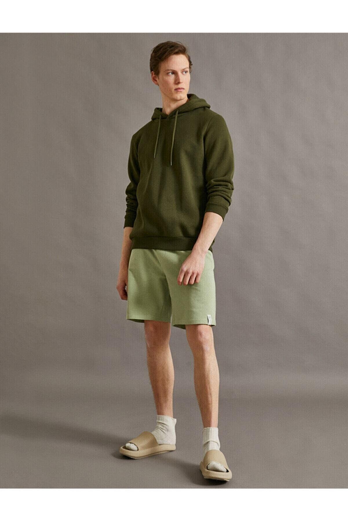 Koton Erkek Yeşil Şort