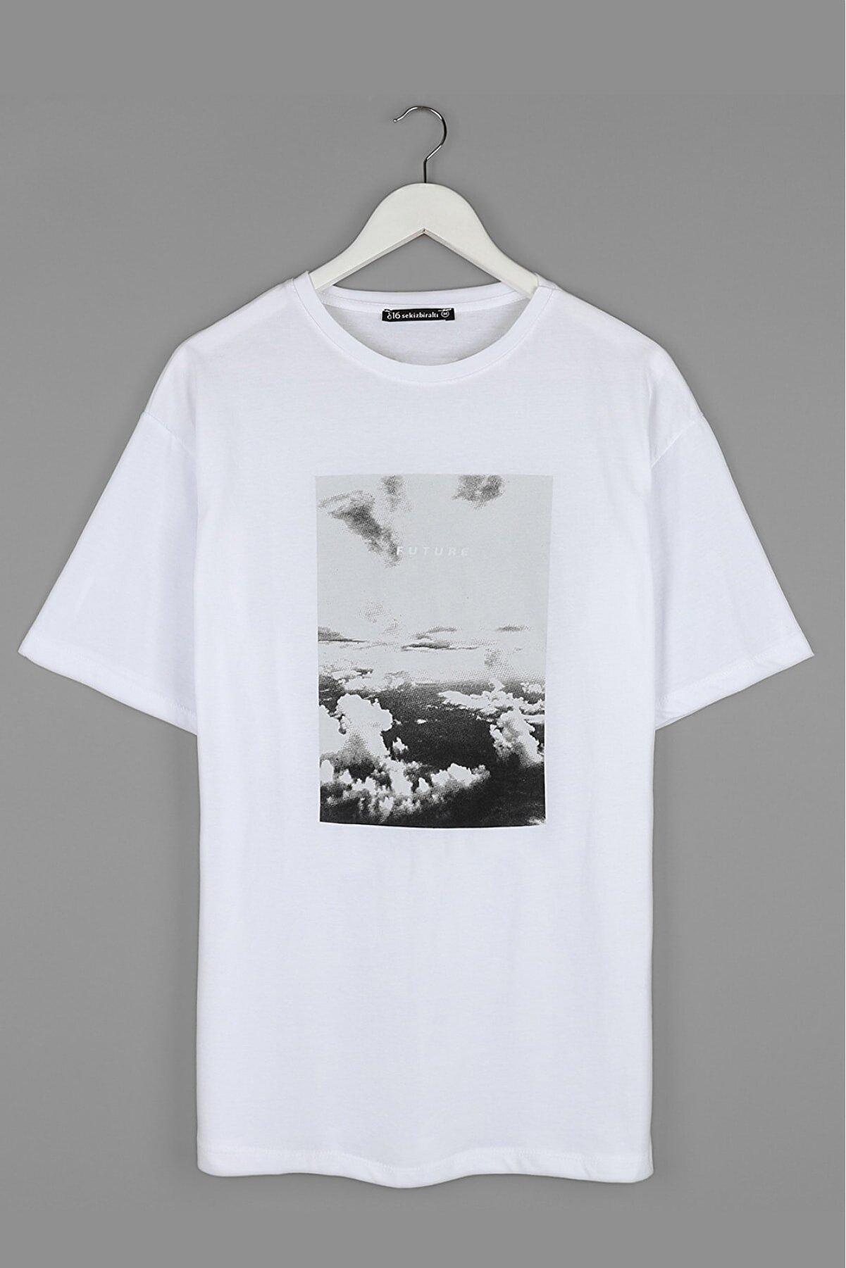 Sekizbiraltı Future Göğüs Baskılı Oversize Beyaz Unisex Tshirt