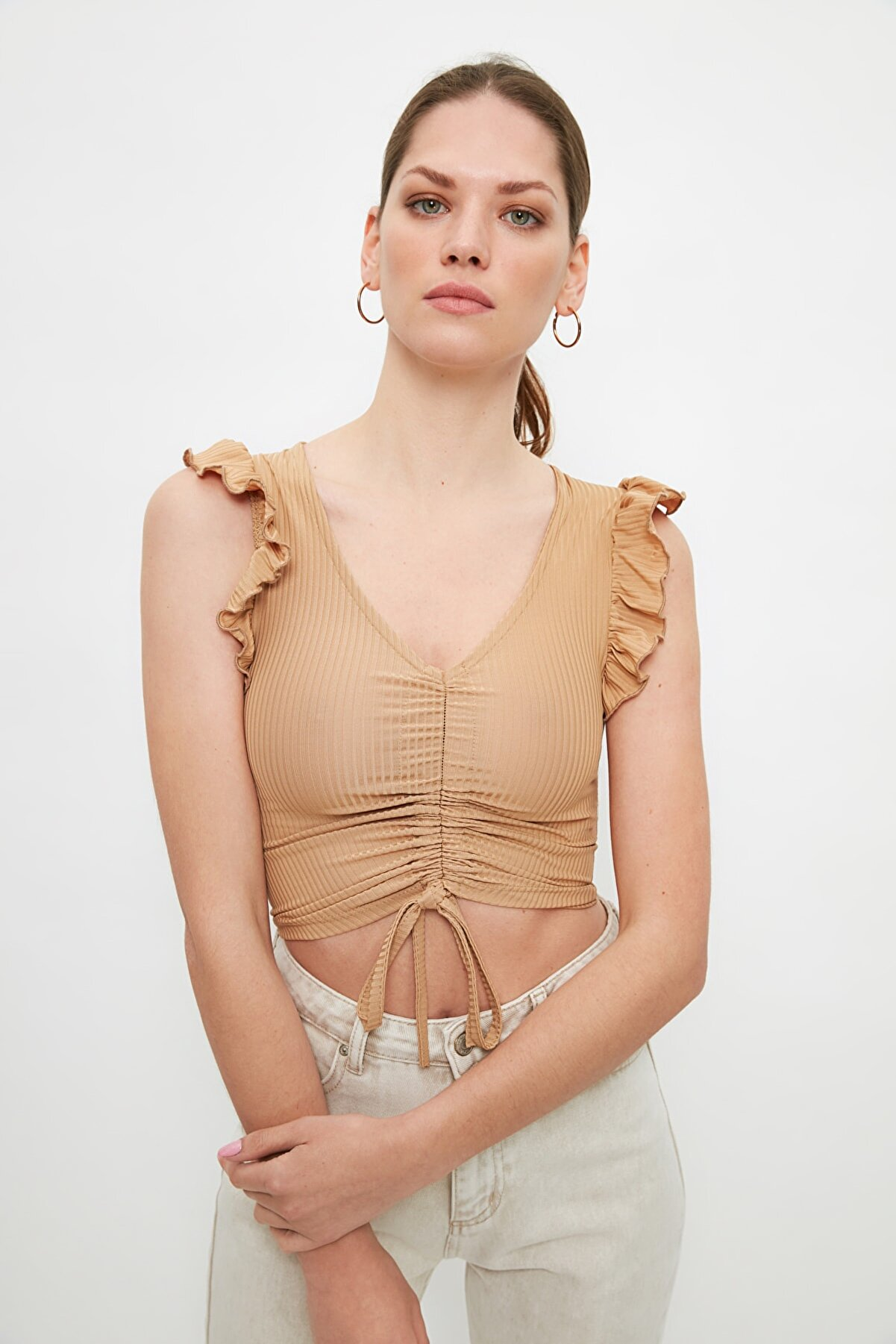 TRENDYOLMİLLA Camel Büzgülü ve Fitilli Crop Örme Bluz TWOSS21BZ2036