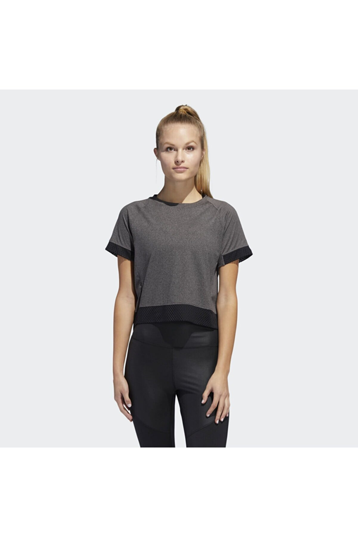 adidas BOXY MESH Siyah Kadın Kısa Kol Tişört 100575803