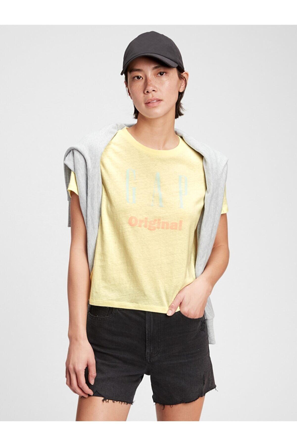 GAP Kadın Sarı Logo T-shirt