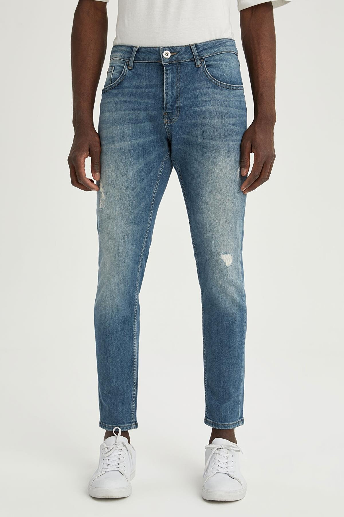 Defacto Erkek Yeşil Skinny Comfort Fit Normal Bel Dar Paça Yırtık Detaylı Jean Pantolon U8447AZ21SM