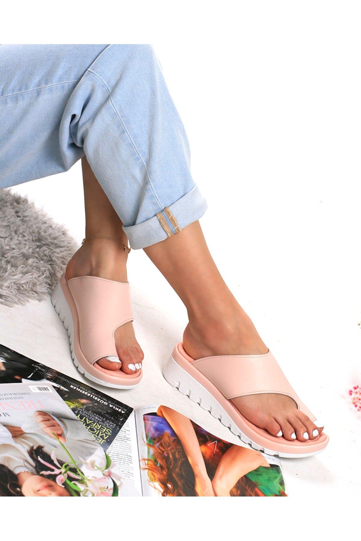 medcezirsuat Karla Pudra Rengi Kadın Ortopedik Parmak Arası Terlik