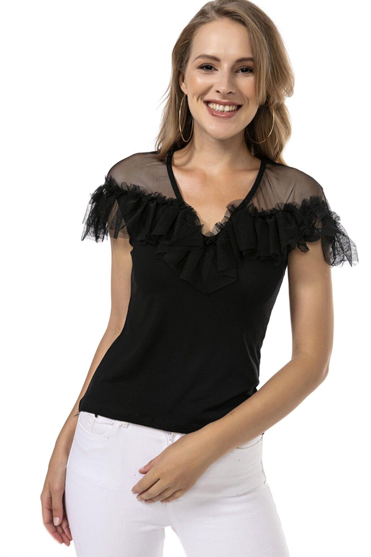 Modagusto Siyah V Yaka Tül Detaylı Kısa Kol Bluz