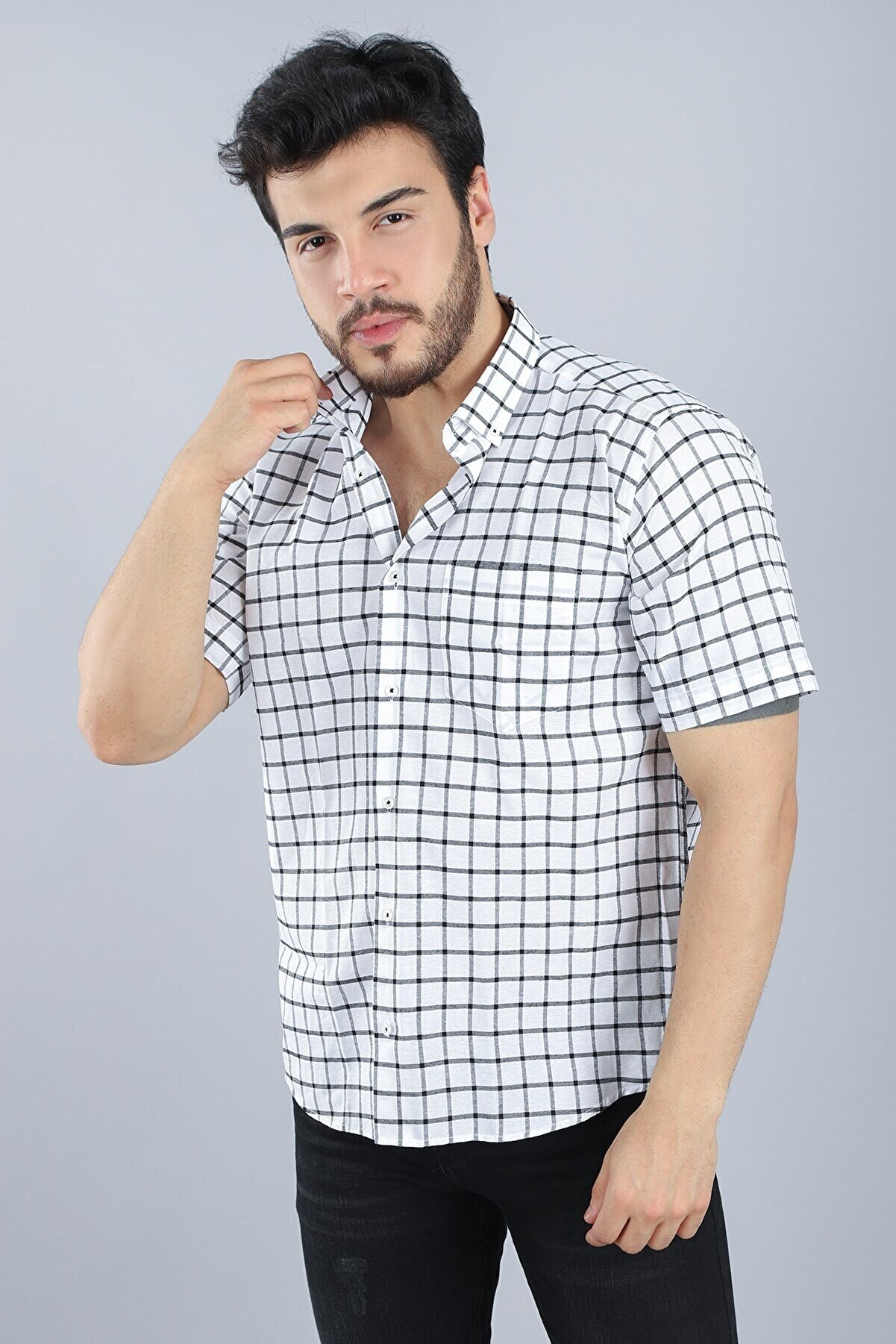 Arlin Erkek Cepli Düğmeli Normal Kalıp Kısa Kollu Siyah-beyaz Kısa Kol Gömlek