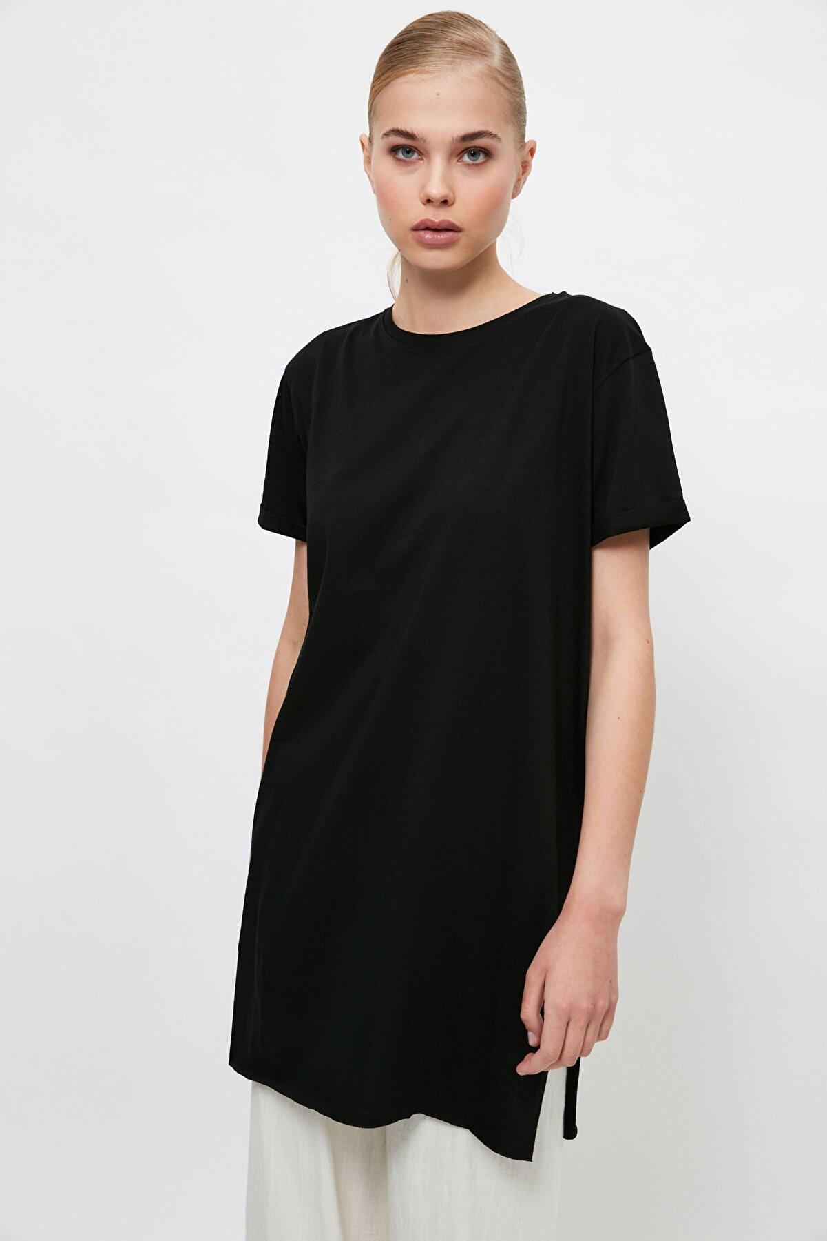 TRENDYOL MODEST Siyah Basic Kısa kollu Yırtmaçlı Süprem Tesettür T-Shirt TCTSS21TN0056