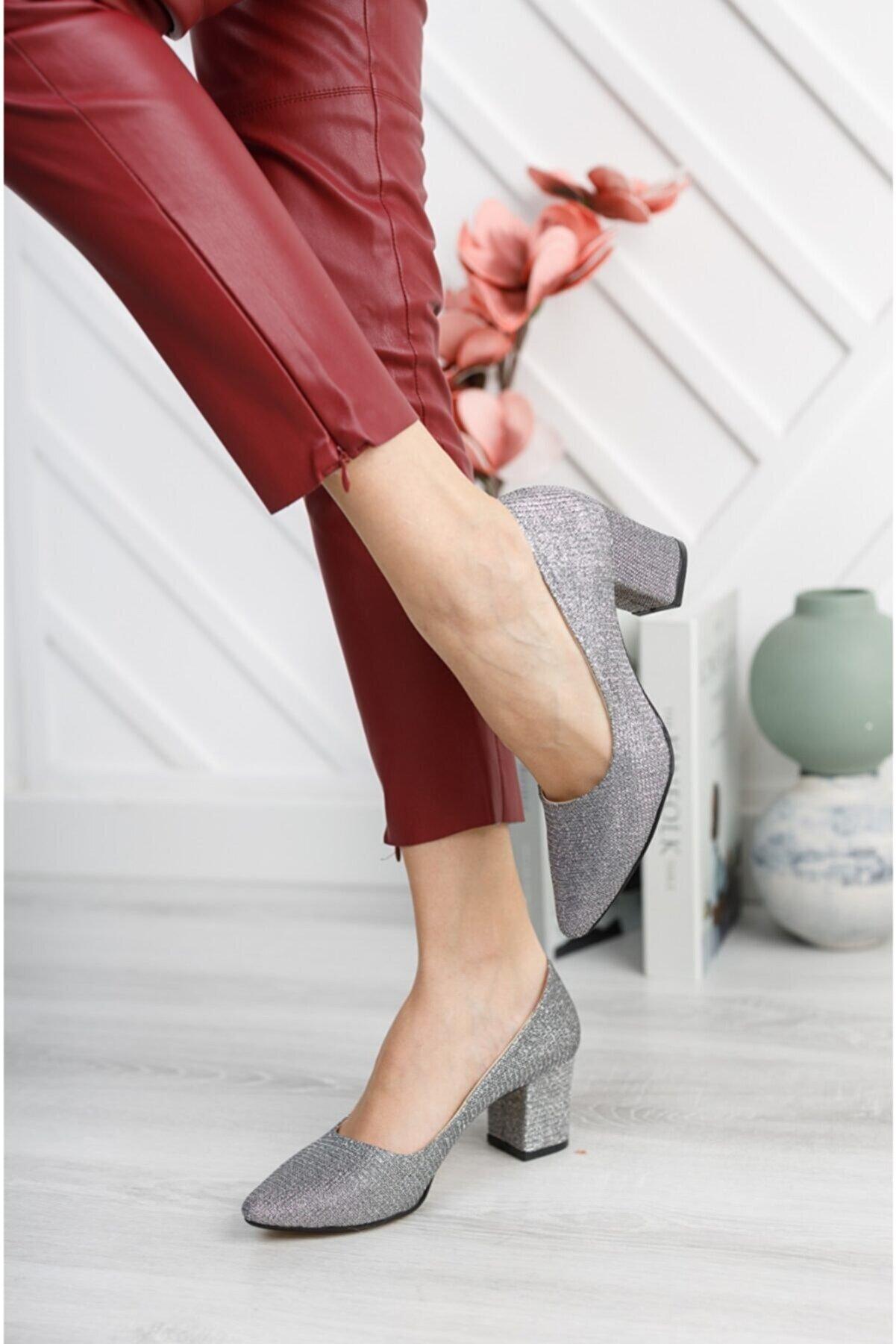 Nirvana ayakkabı Kadın Platin Çupra Kısa Kalın Topuklu Ayakkabı