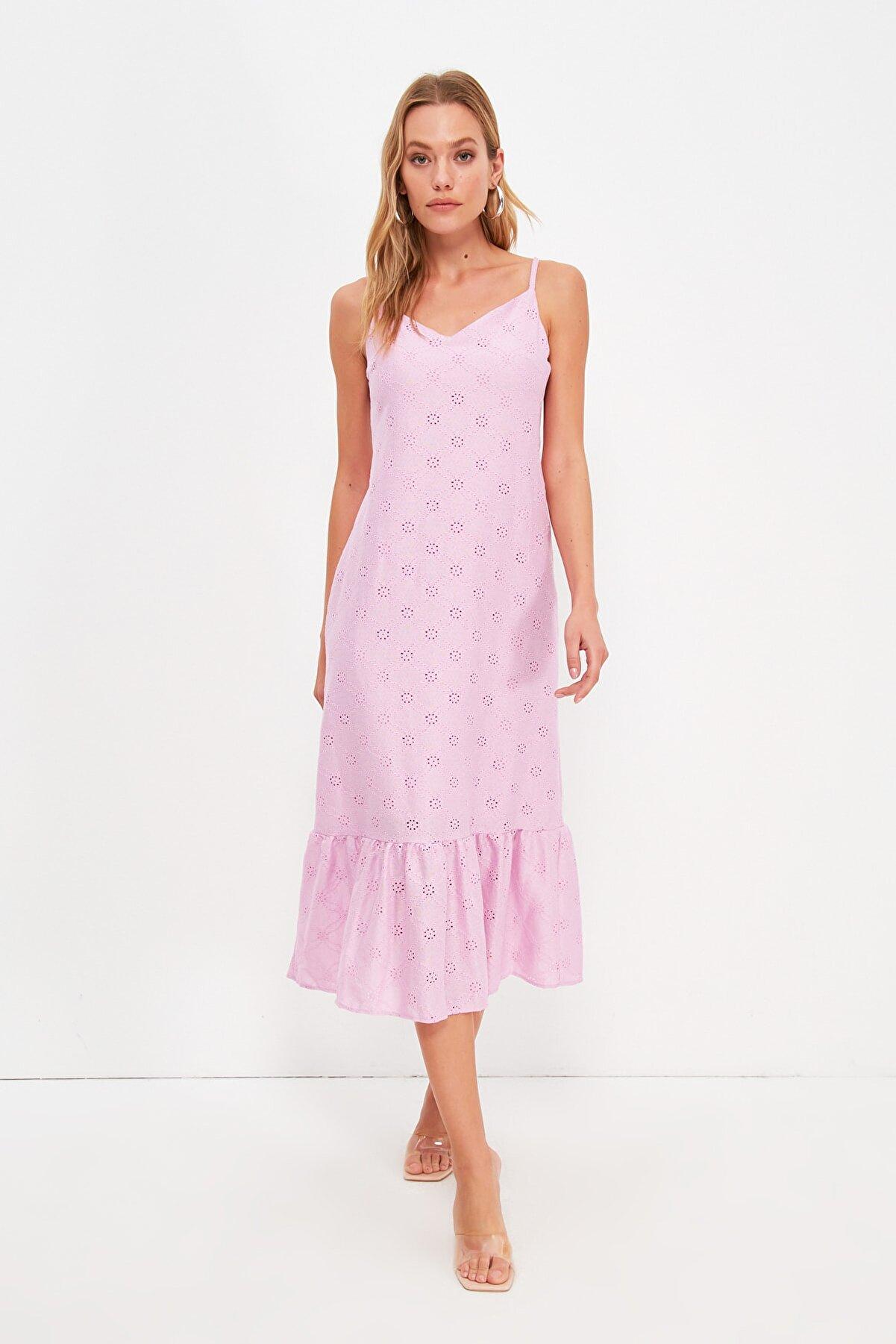 TRENDYOLMİLLA Lila Askılı Brode Elbise TWOSS21EL3001