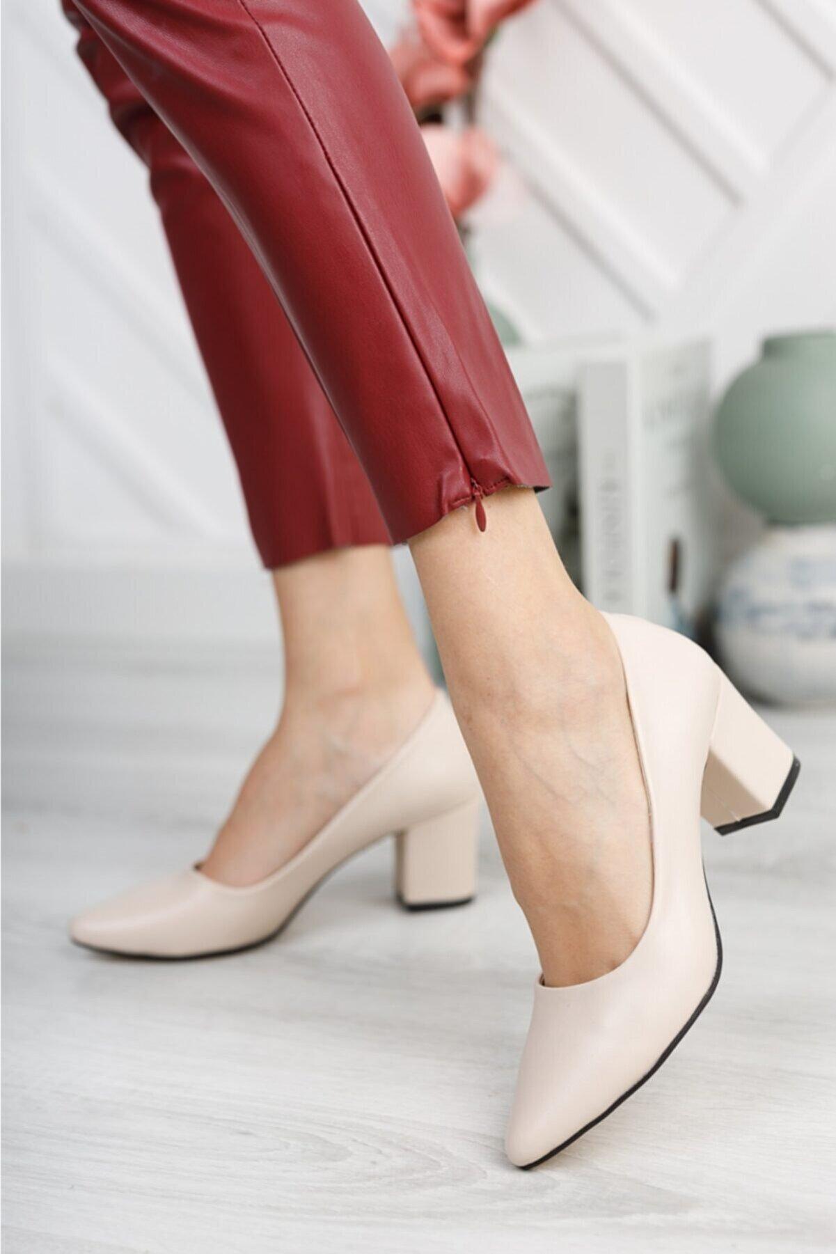 Nirvana ayakkabı Kadın Ten Cilt Kısa Kalın Topuklu Ayakkabı