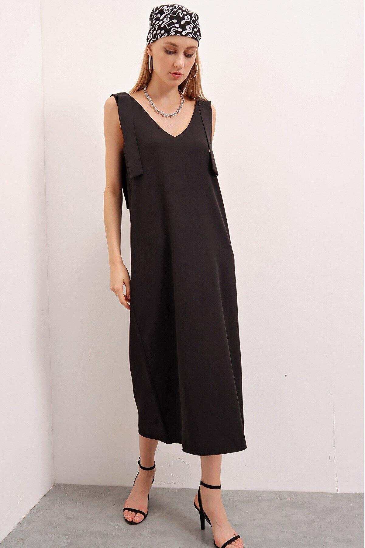 butikburuç Kadın Siyah Omuzdan Bağlamalı Jile Elbise