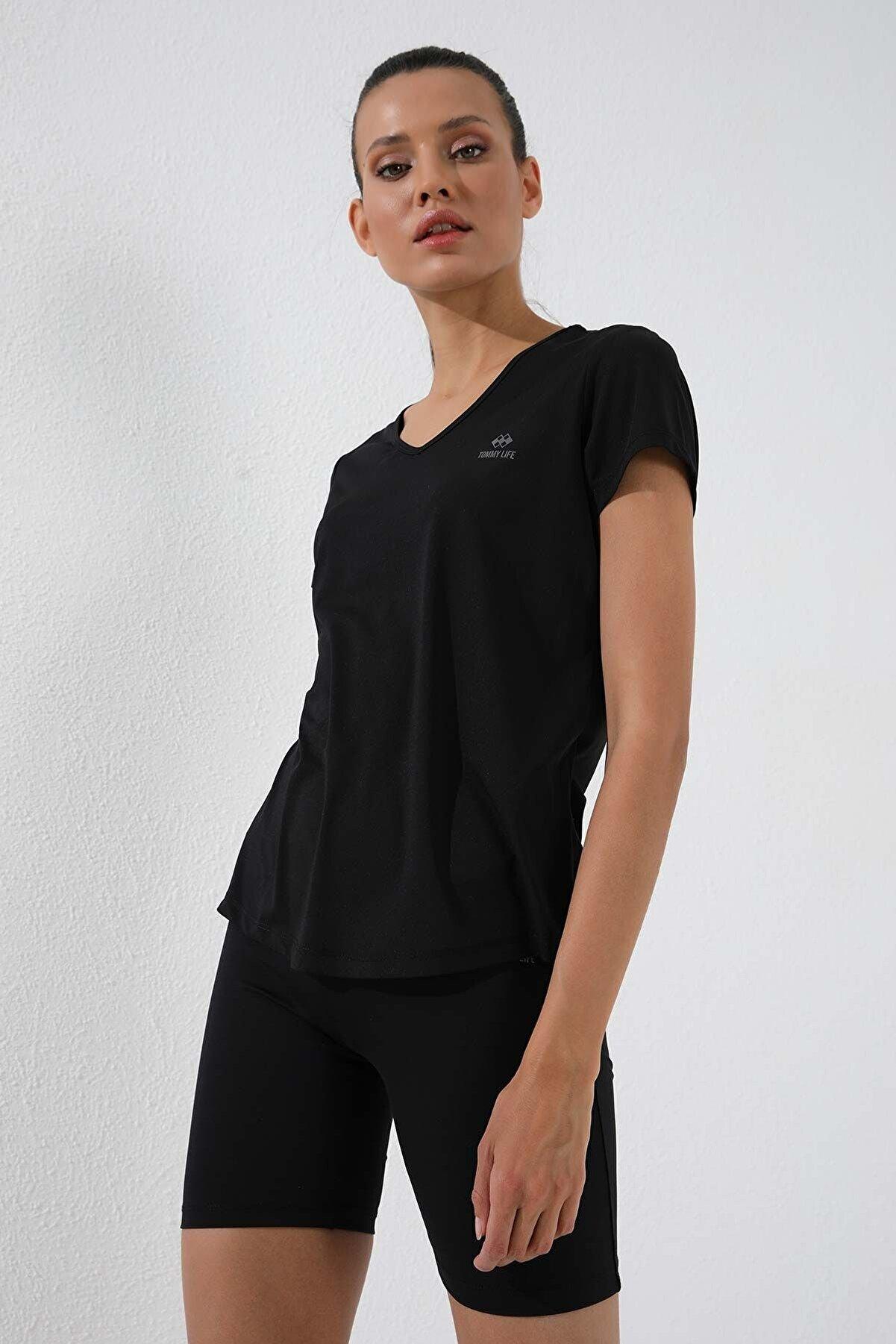 Tommy Life Siyah Kadın Basic Kısa Kol Standart Kalıp V Yaka T-shirt - 97145