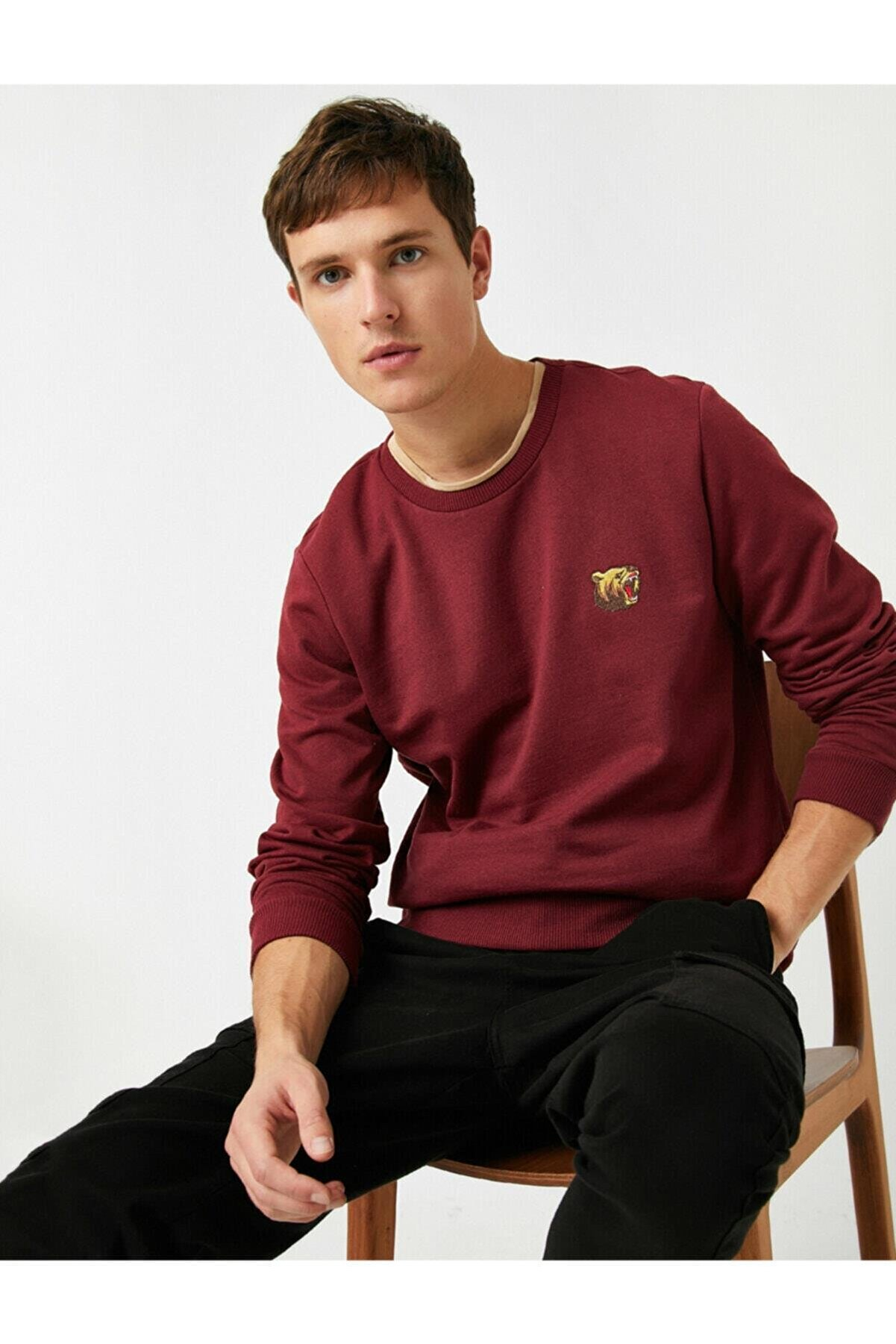 Koton Erkek Bordo Bisiklet Yaka İşlemeli Uzun Kollu Sweatshirt