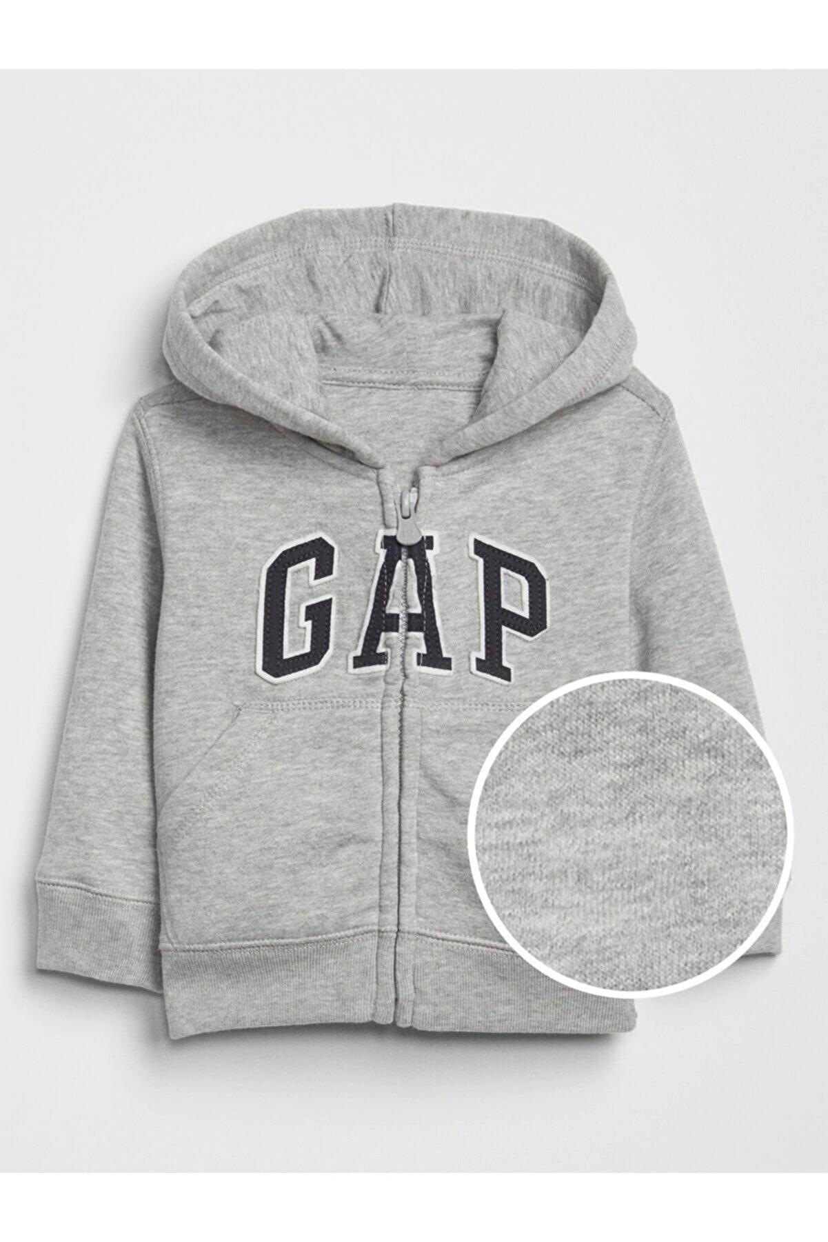 GAP Erkek Çocuk Gri Logo Kapüşonlu Sweatshirt