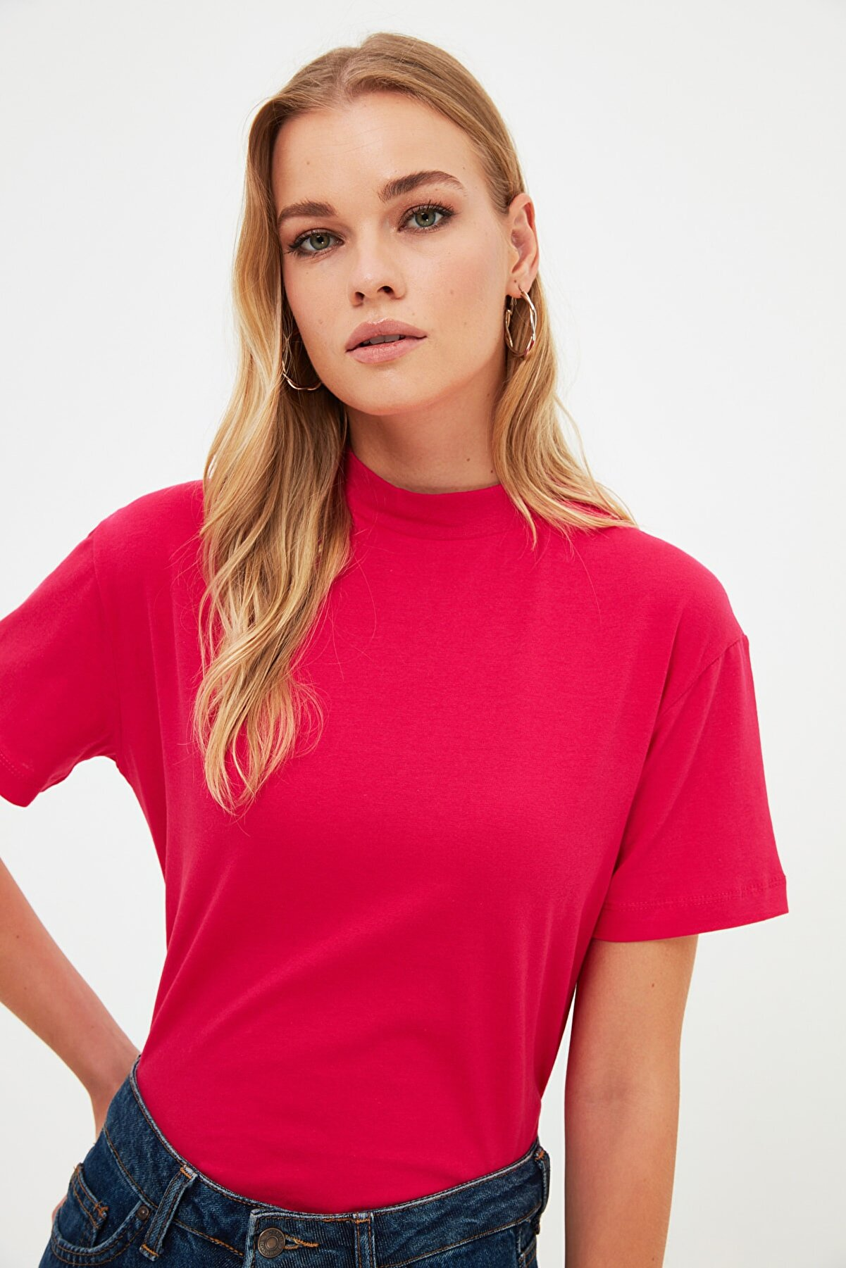 TRENDYOLMİLLA Fuşya Basic Dik Yaka Örme  T-Shirt TWOAW20TS0096
