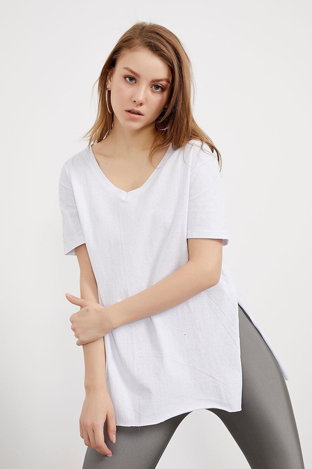 Arma Life Kadın Beyaz V Yaka Yanı Yırtmaçlı Basic T-shirt