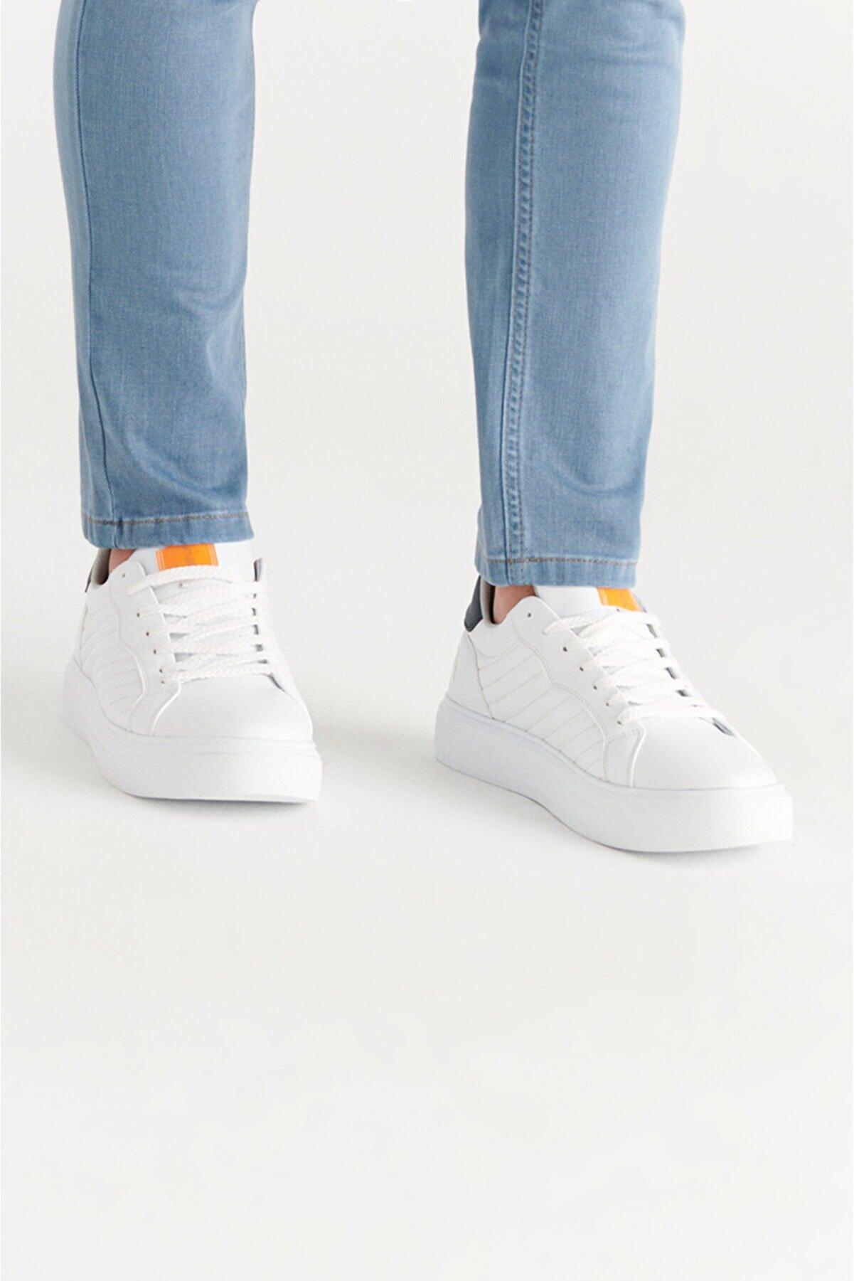 Avva Erkek Beyaz Kapitone Detaylı Suni Deri Spor Ayakkabı A11y8021