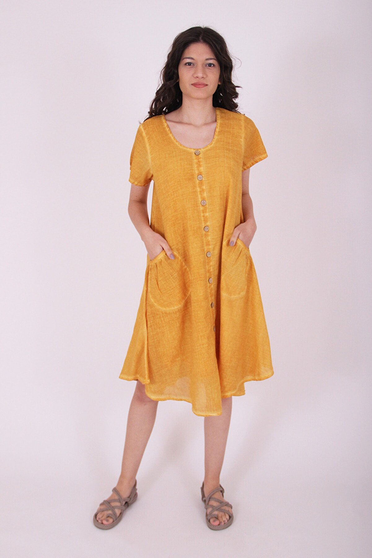 Selçuk EFES Kadın Önü Düğmeli Sarı Otantik Elbise