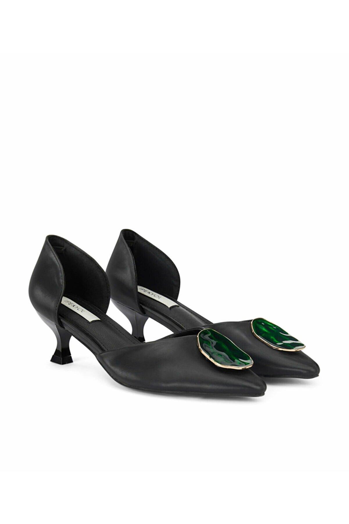 İpekyol Metal Aksesuarlı Ayakkabı