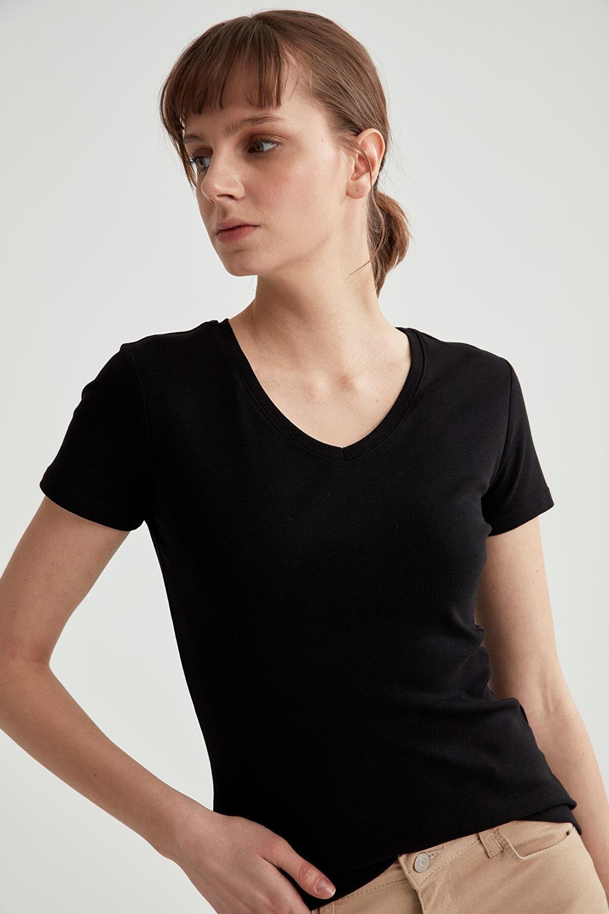 Defacto V Yaka Basic Relax Fit Kısa Kollu Tişört