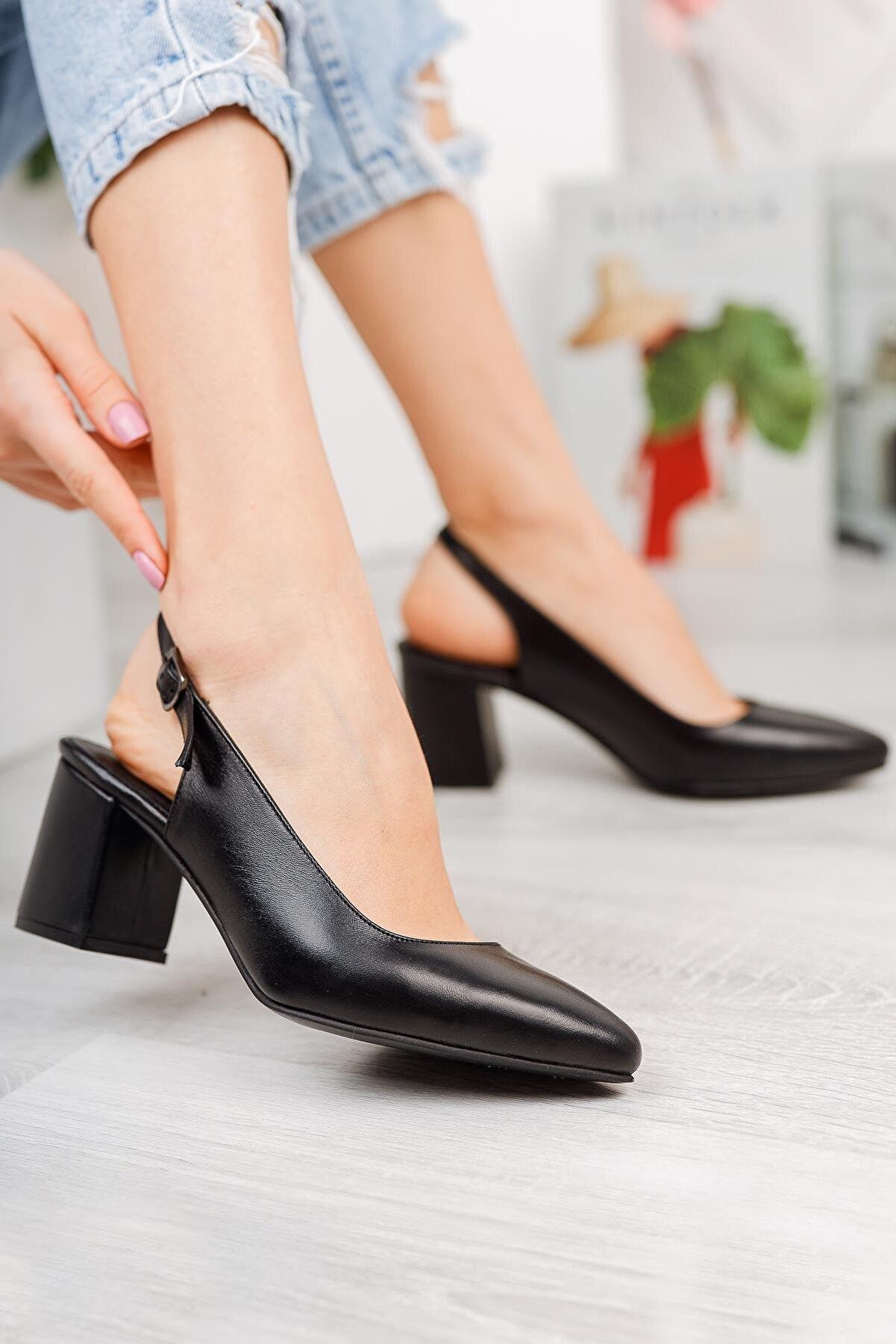 Diego Carlotti Hakiki Deri Kadın Günlük Klasik Topuklu Sandalet