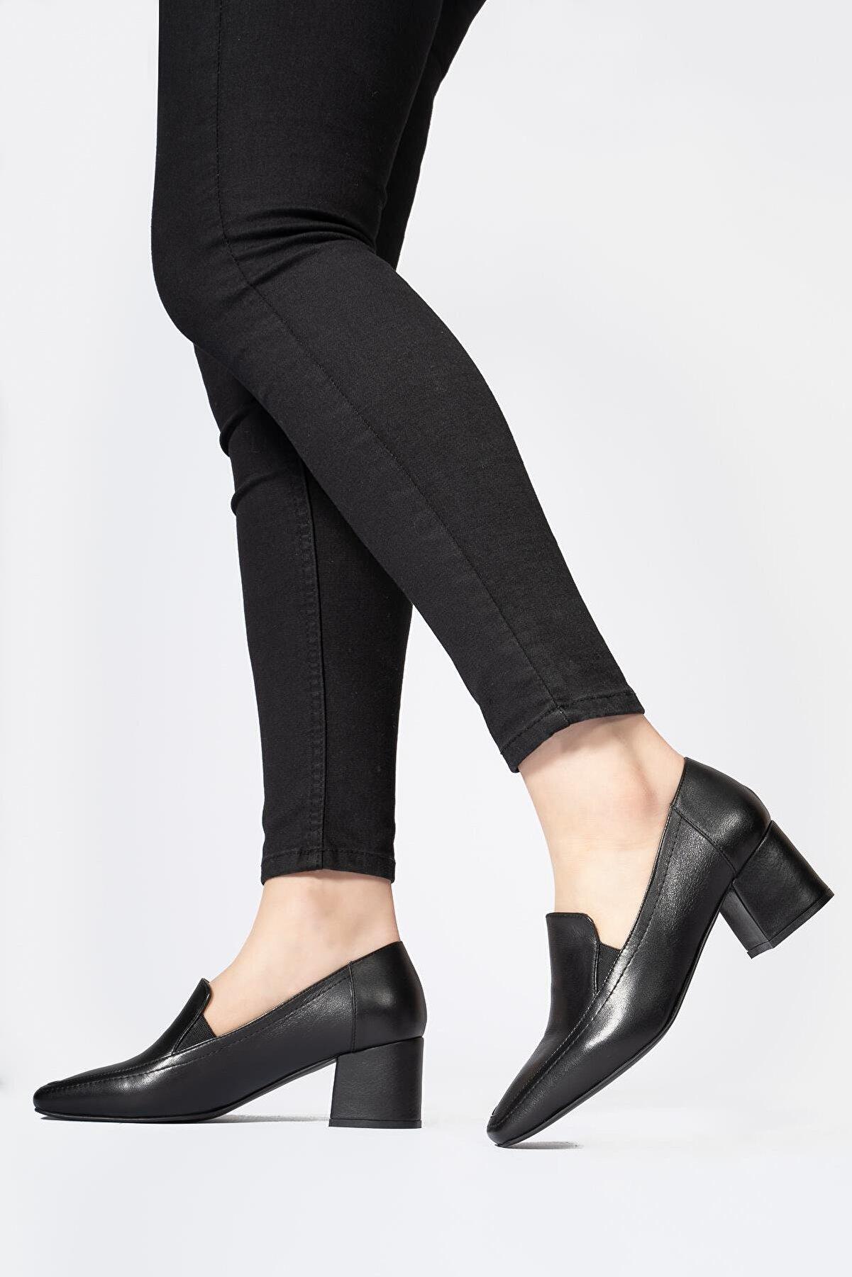 CZ London Hakiki Deri Kadın Günlük Ayakkabı Küt Burun Klasik Düz Makosen