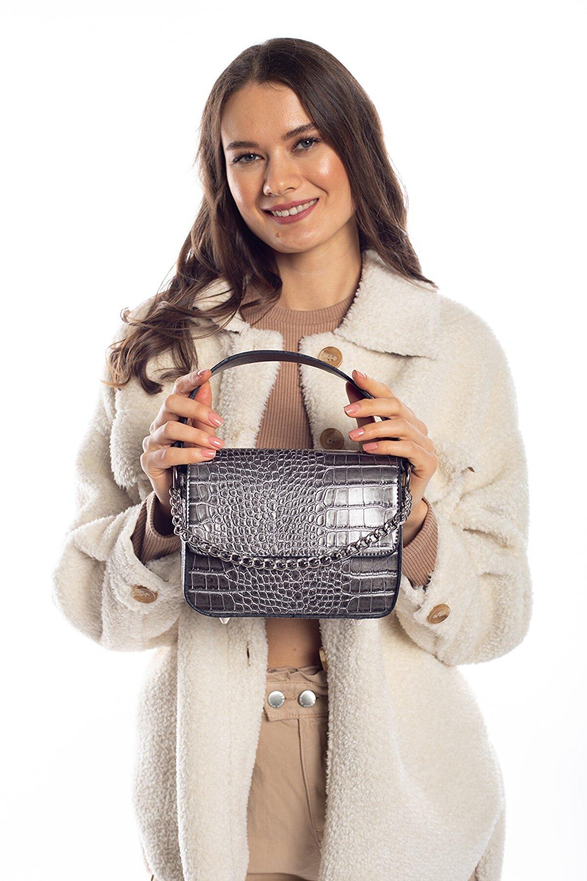 Madamra Aynı Butikte 2. Ürün 1 Tl Gümüş Kroko Kadın Kapaklı Zincirli Çapraz Çanta