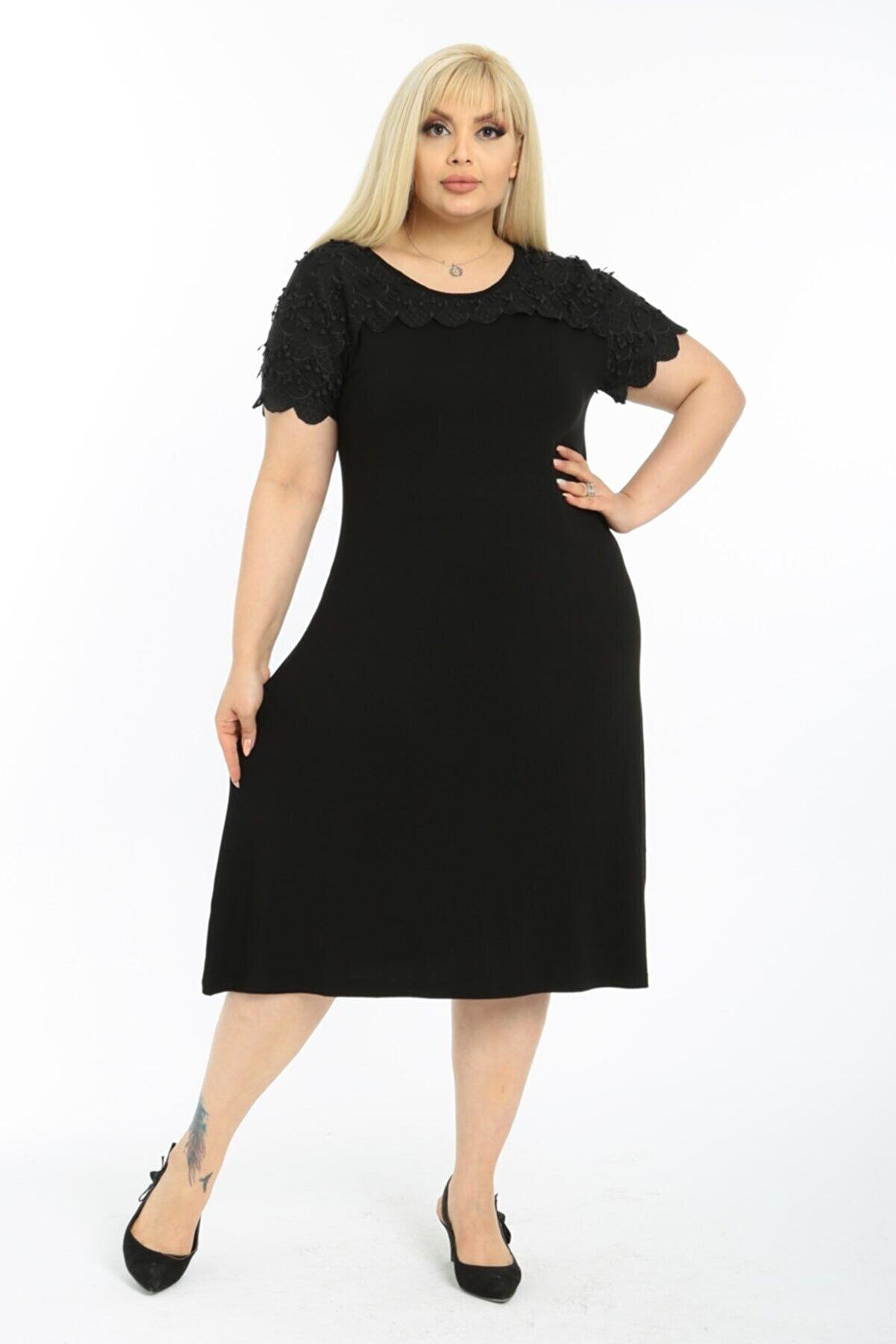 LİKRA Kadın Siyah Büyük Beden Yaka Kol Güpür Detay Esnek Viskon Elbise