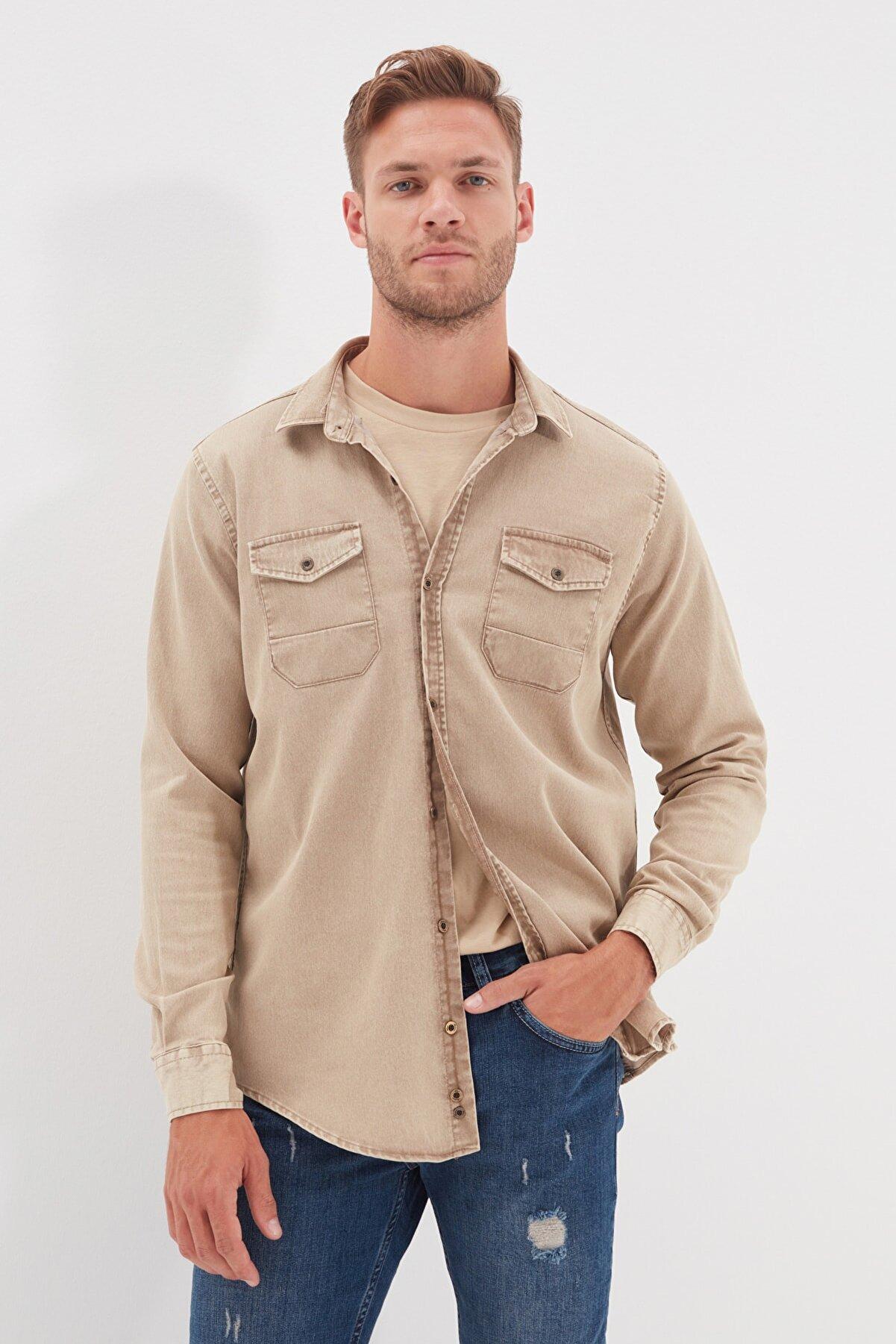 TRENDYOL MAN Bej Erkek Regular Fit Metal Düğmeli Gömlek TMNSS20GO0104