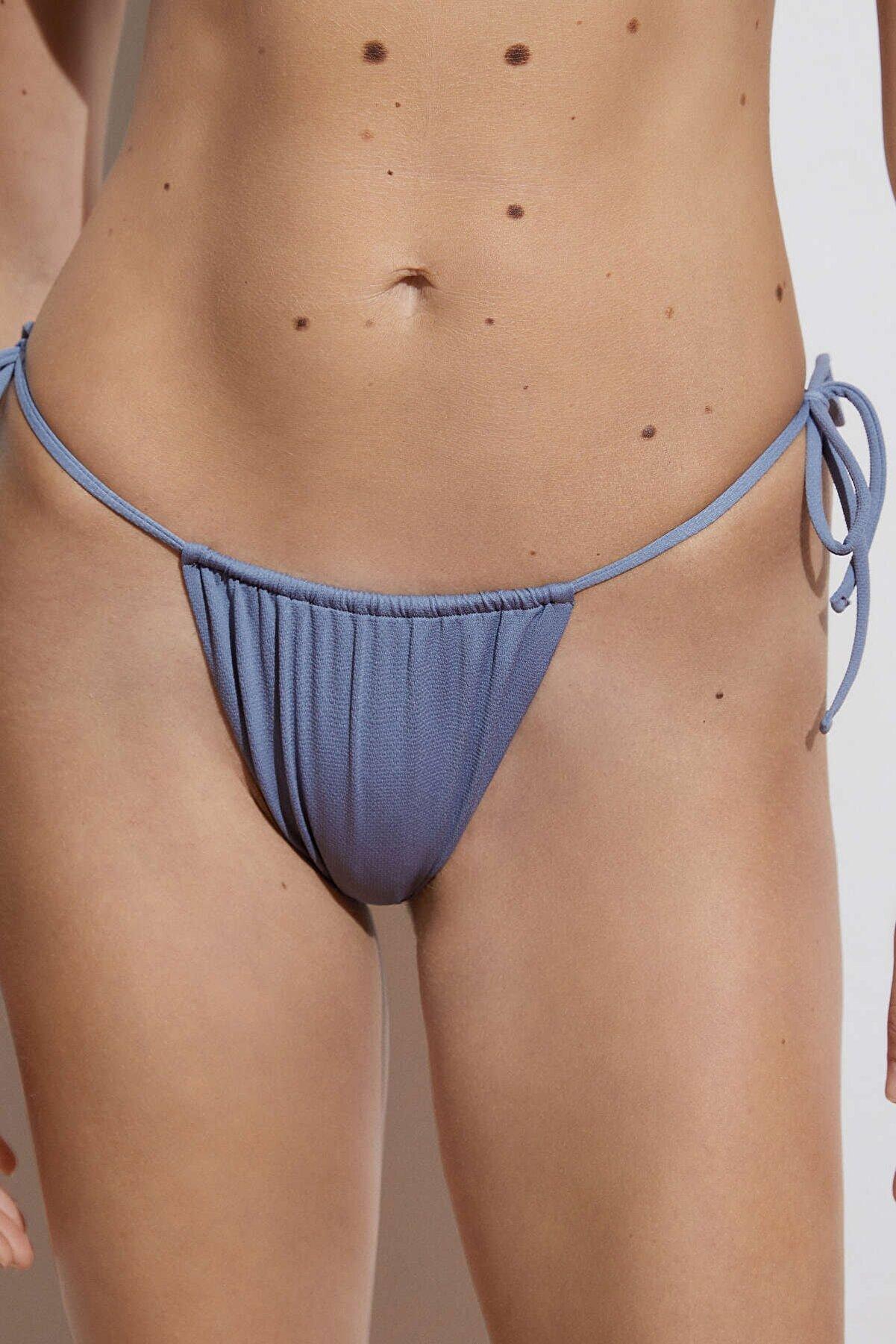 Oysho Brezilya Modeli Slim Bikini Altı