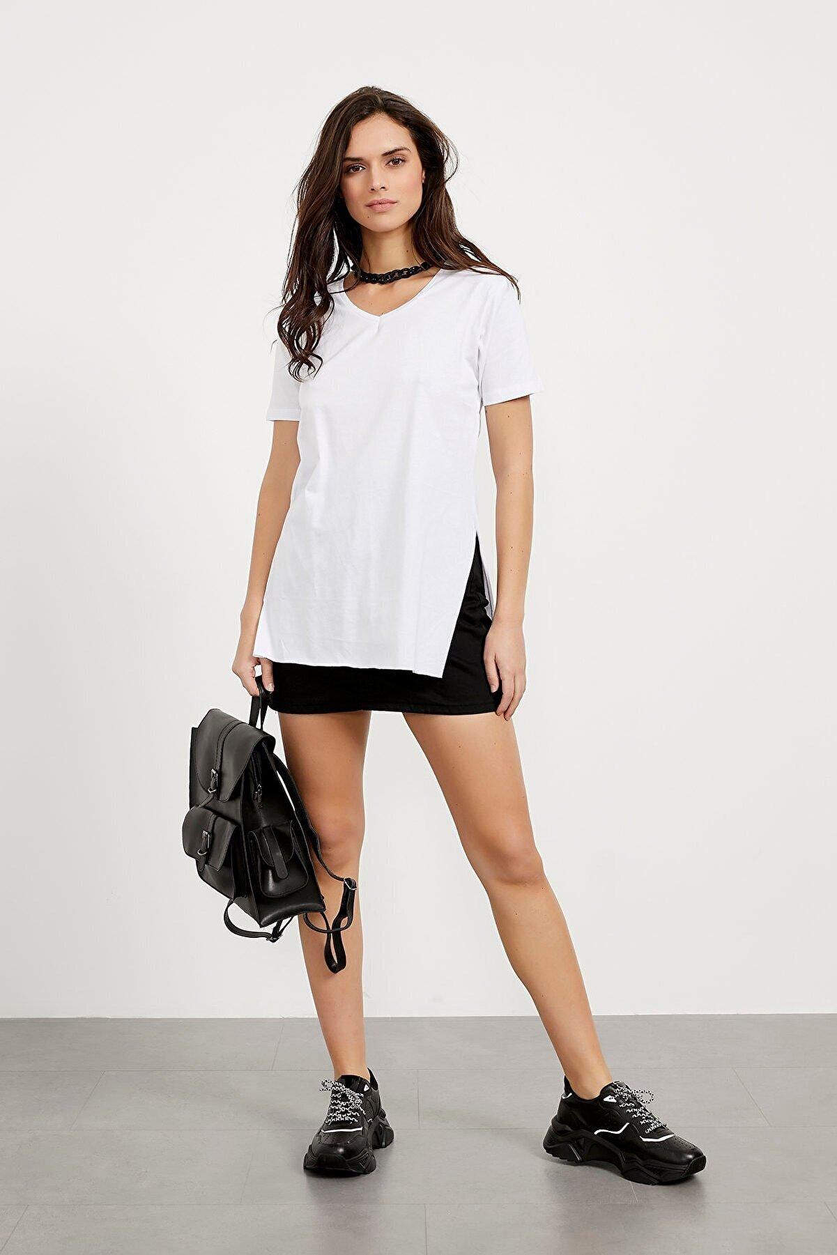 Arma Life Kadın Beyaz  V Yaka Yırtmaçlı Basic T-shirt