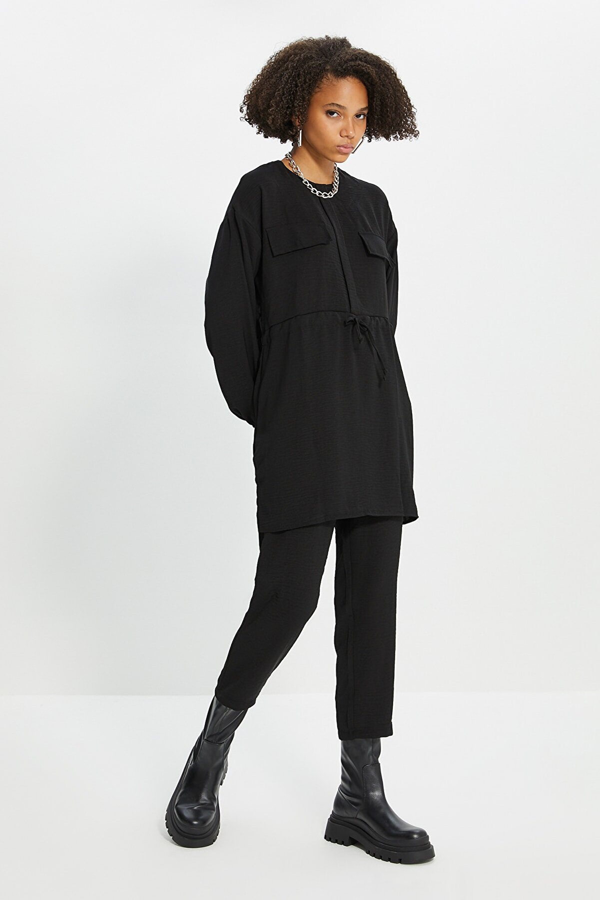 TRENDYOL MODEST Siyah Cep Detaylı Alt-Üst Takım TCTSS21AU0238