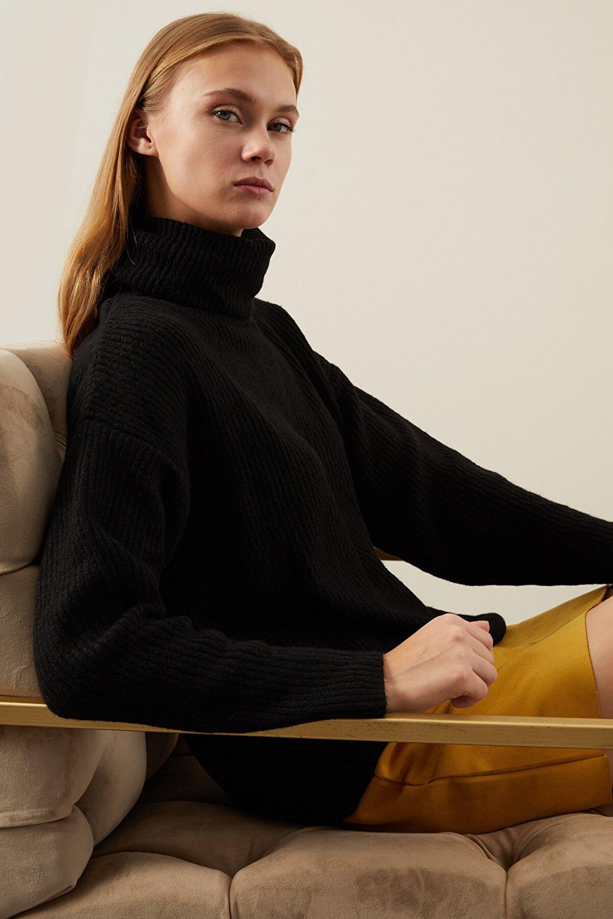 Tena Moda Kadın Siyah Fitilli Boğazlı Yumoş Triko Kazak