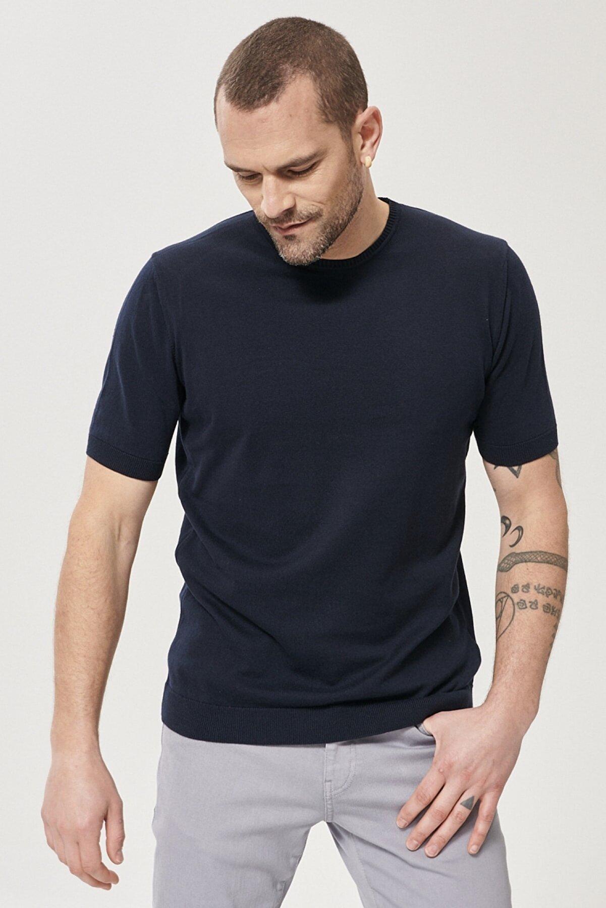Altınyıldız Classics Erkek Lacivert 360 Derece Her Yöne Esneyen Slim Fit %100 Koton Triko Tişört