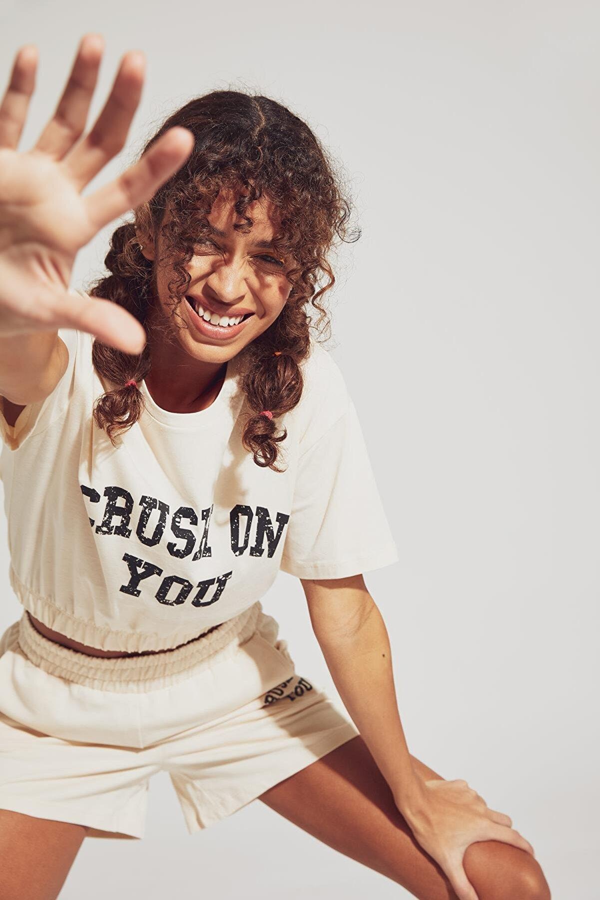 Defacto Slogan Baskılı Relax Fit Crop Tişört