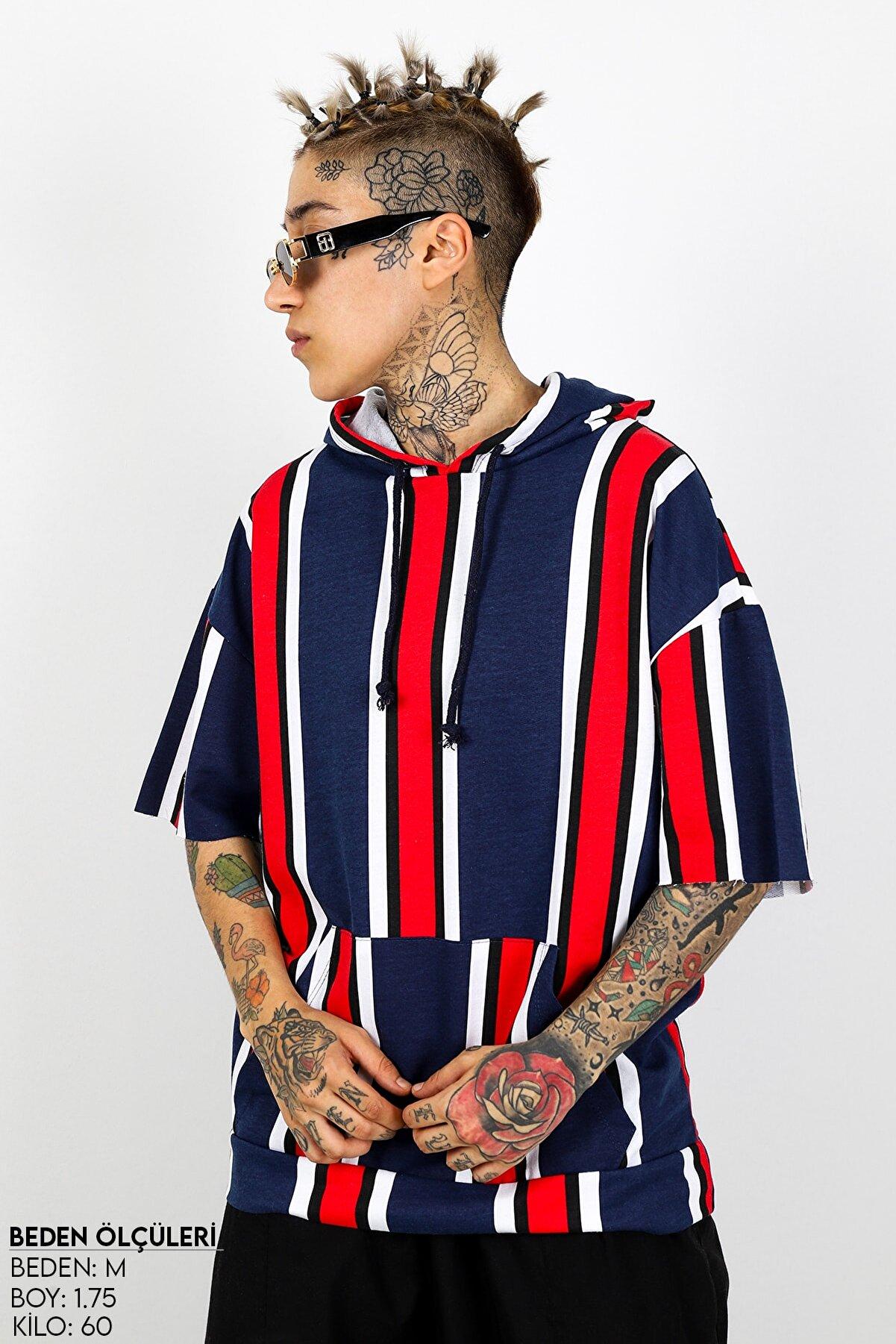 Sekizbiraltı Lacivert Kırmızı Şeritli Kısa Kol Kapşonlu Sweatshirt