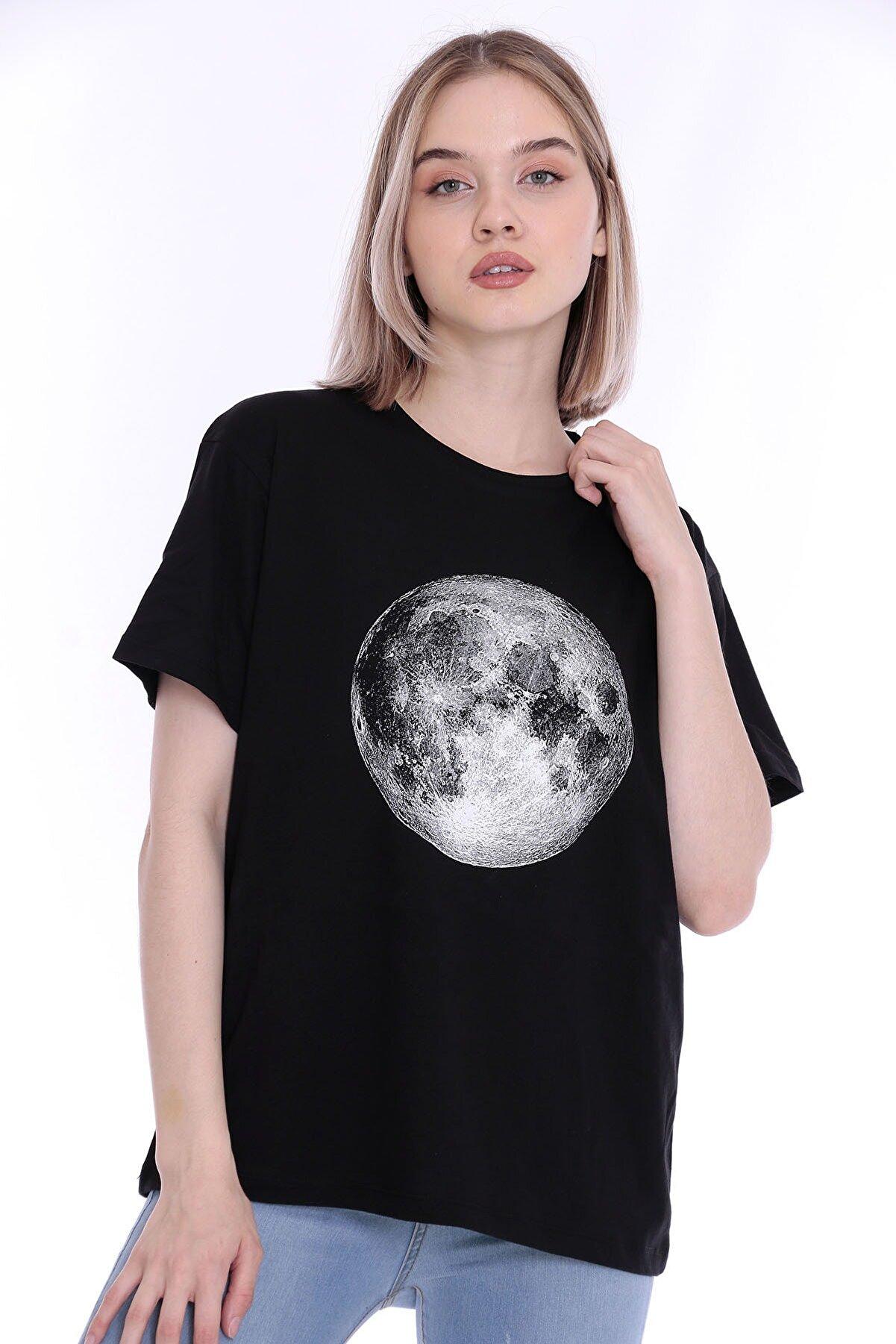 Longamita Kadın Siyah Ay Baskılı Oversize Tshirt