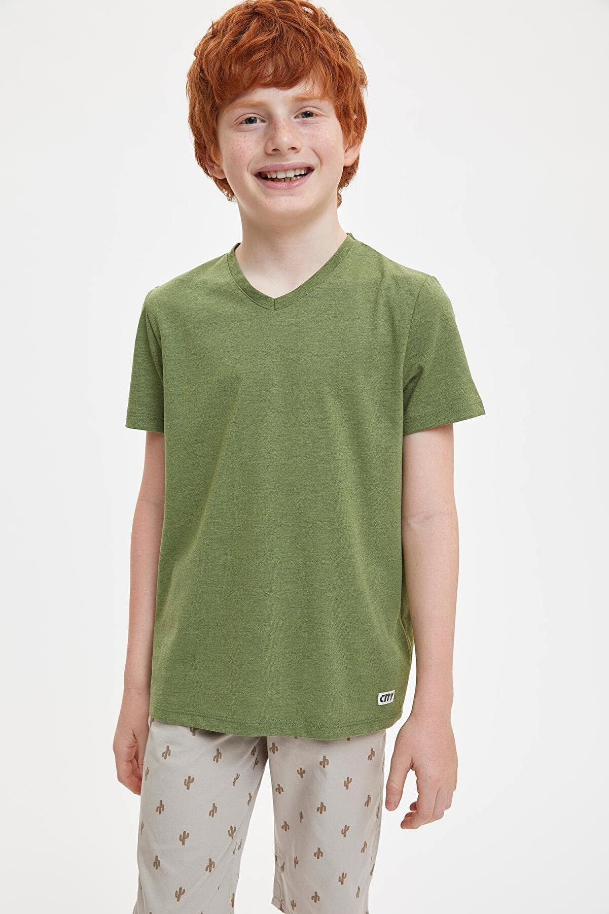 Defacto Erkek Çocuk Basic V Yaka Kısa Kollu Tişört
