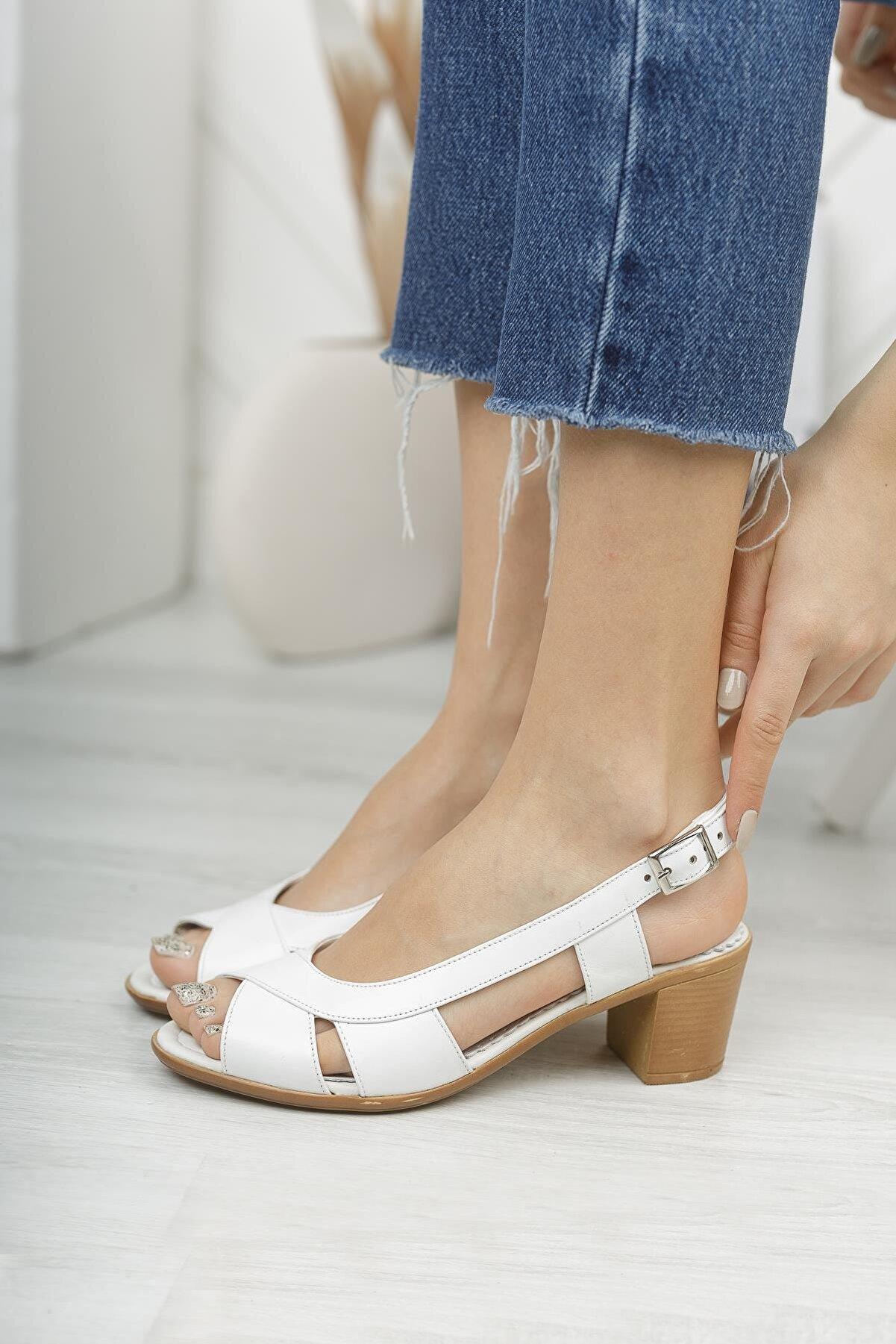 Diego Carlotti Kadın Beyaz Hakiki Deri Sandalet