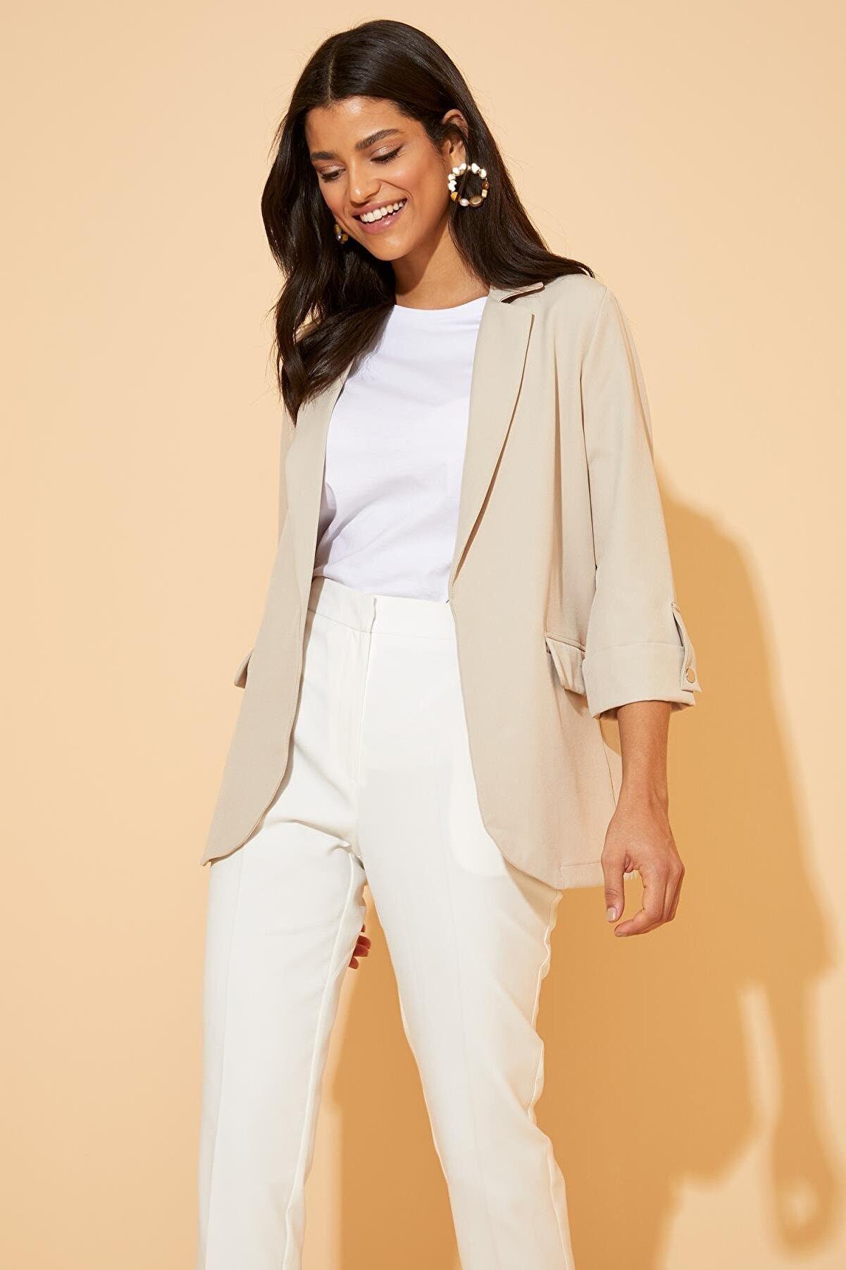 Defacto Kadın Bej Regular Fit Basic Blazer Ceket N1286AZ.20SP.BG615