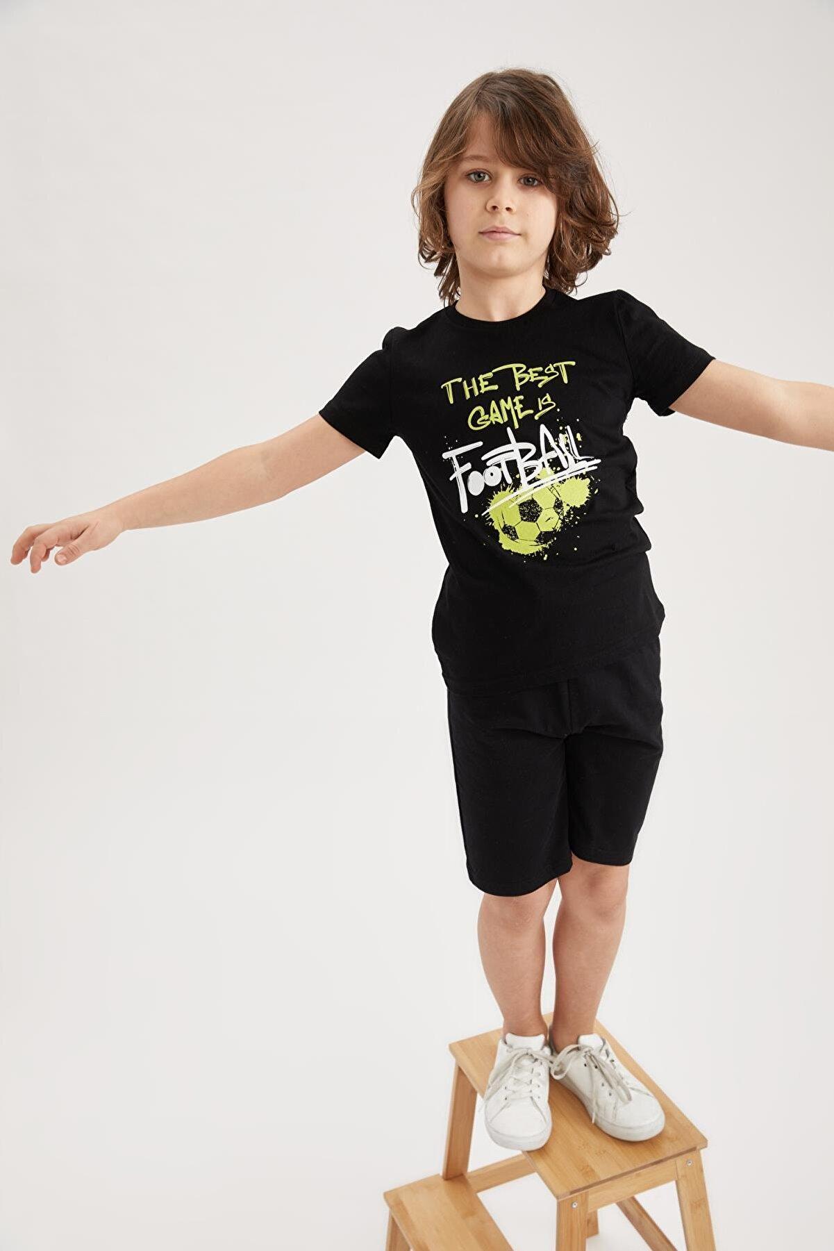 Defacto Erkek Çocuk Baskılı Kısa Kol Tişört ve Şort Takımı