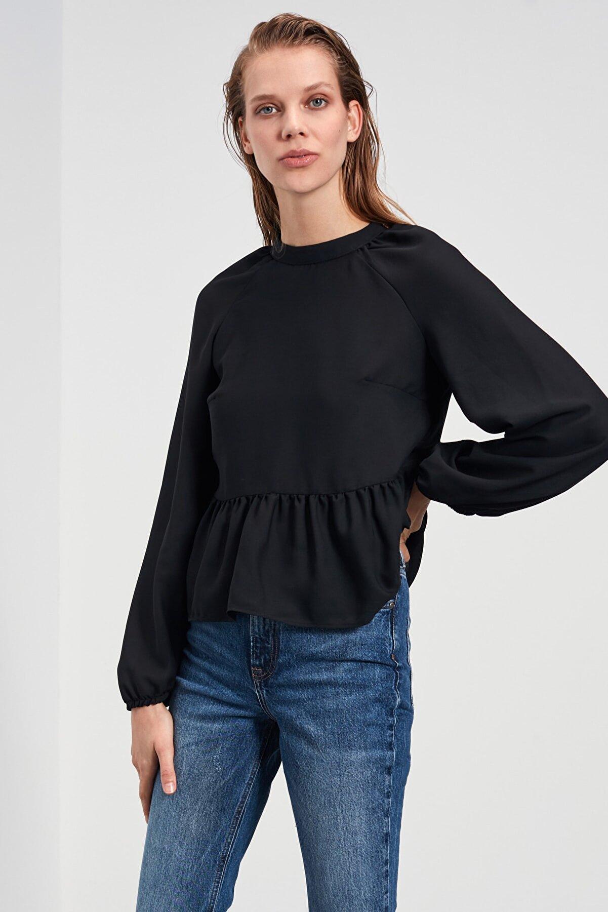 TRENDYOLMİLLA Siyah Büzgülü Bluz TWOAW21BZ0962
