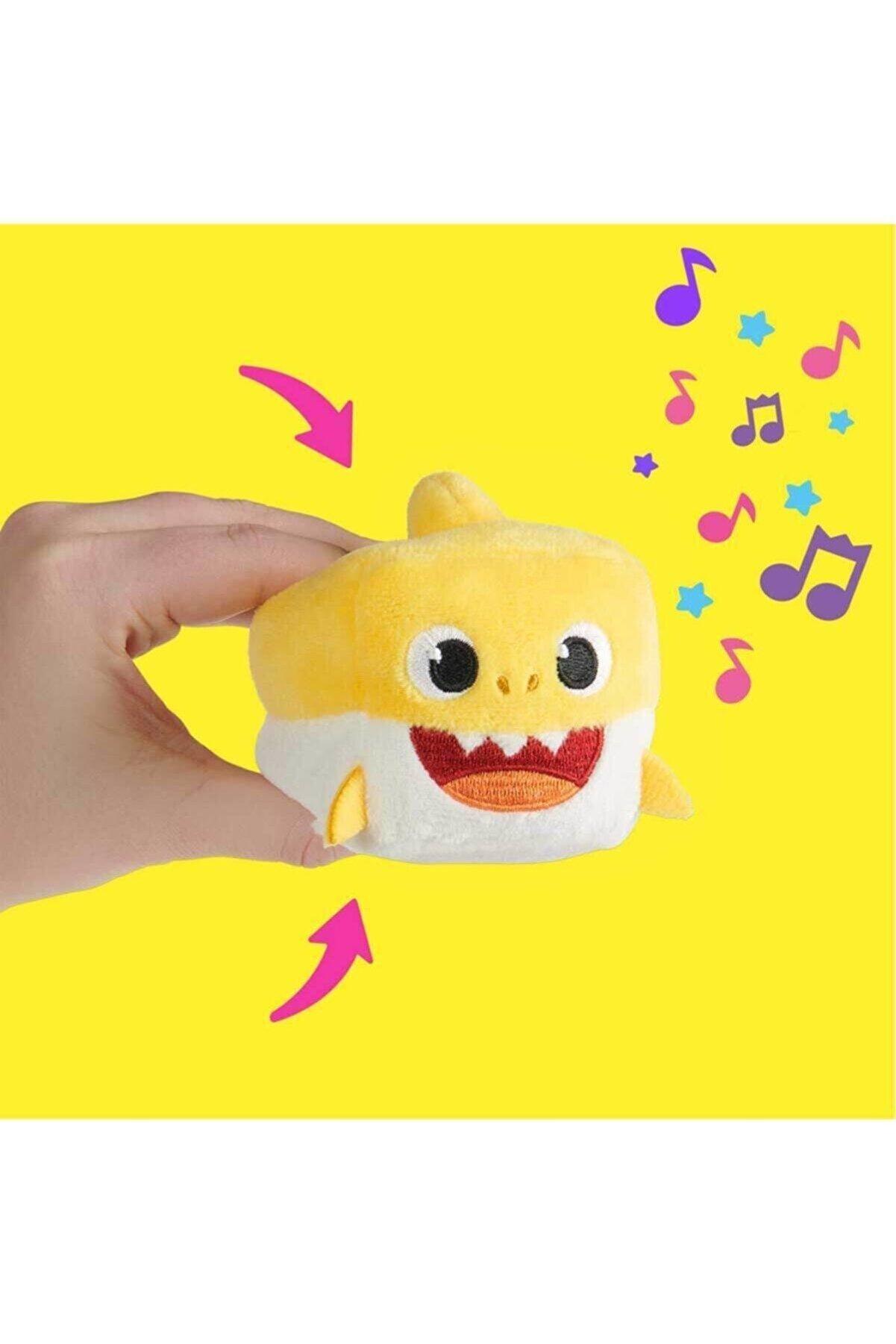 GIOCHI PREZIOSI Bah00000 Baby Shark Şarkı Söyleyen 7cm Mini Peluş /03301