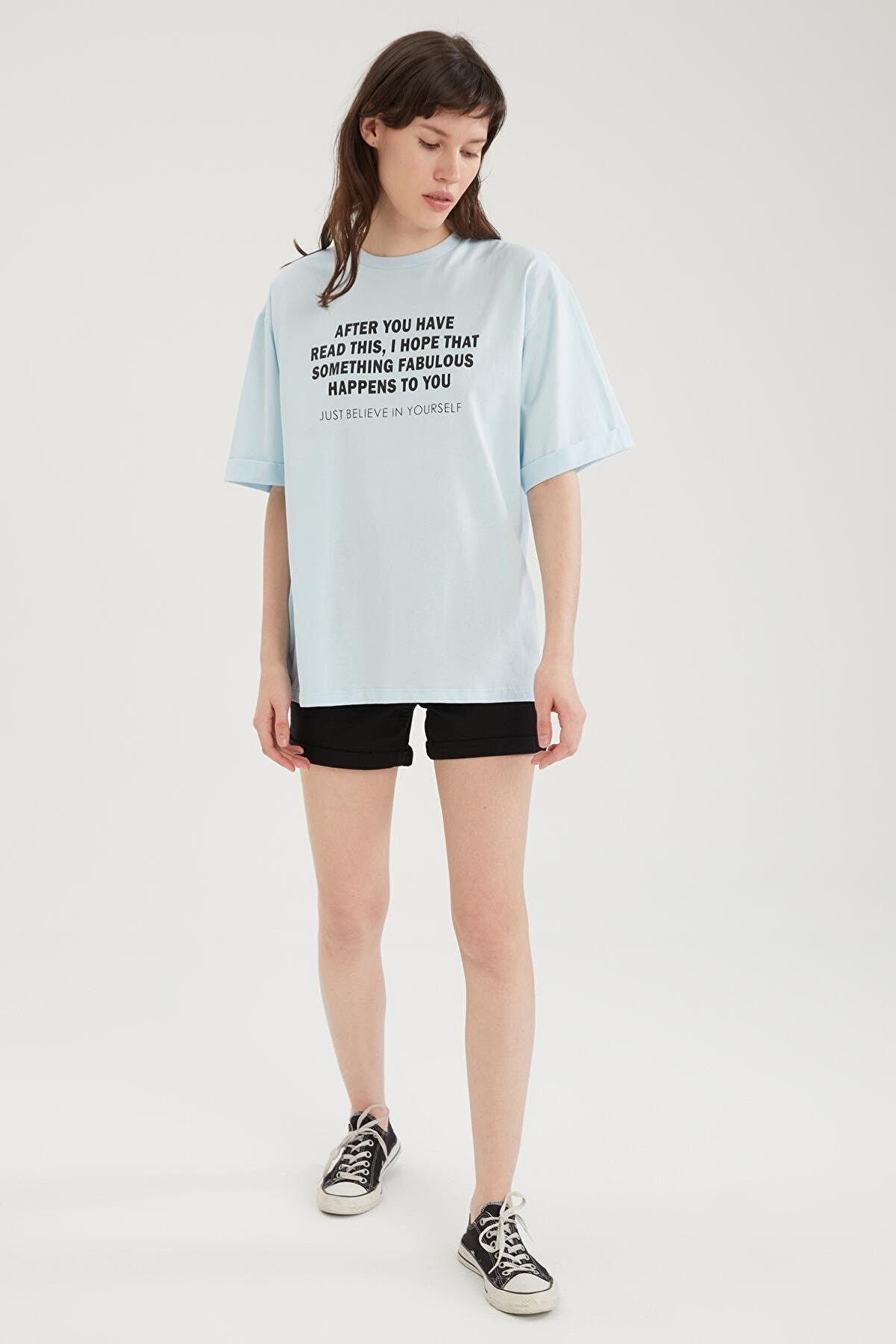 Defacto Kadın Mavi Slogan Baskılı Oversize Kısa Kollu Tişört