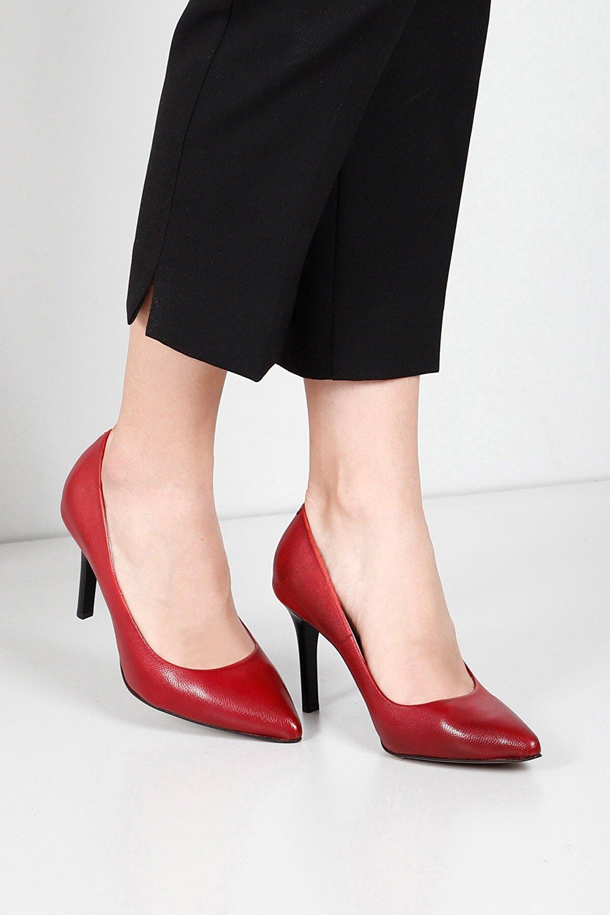GÖNDERİ(R) Hakiki Deri Kırmızı Antik Sivri Burun Yüksek Ince Topuklu Stiletto Kadın Ayakkabı 24127