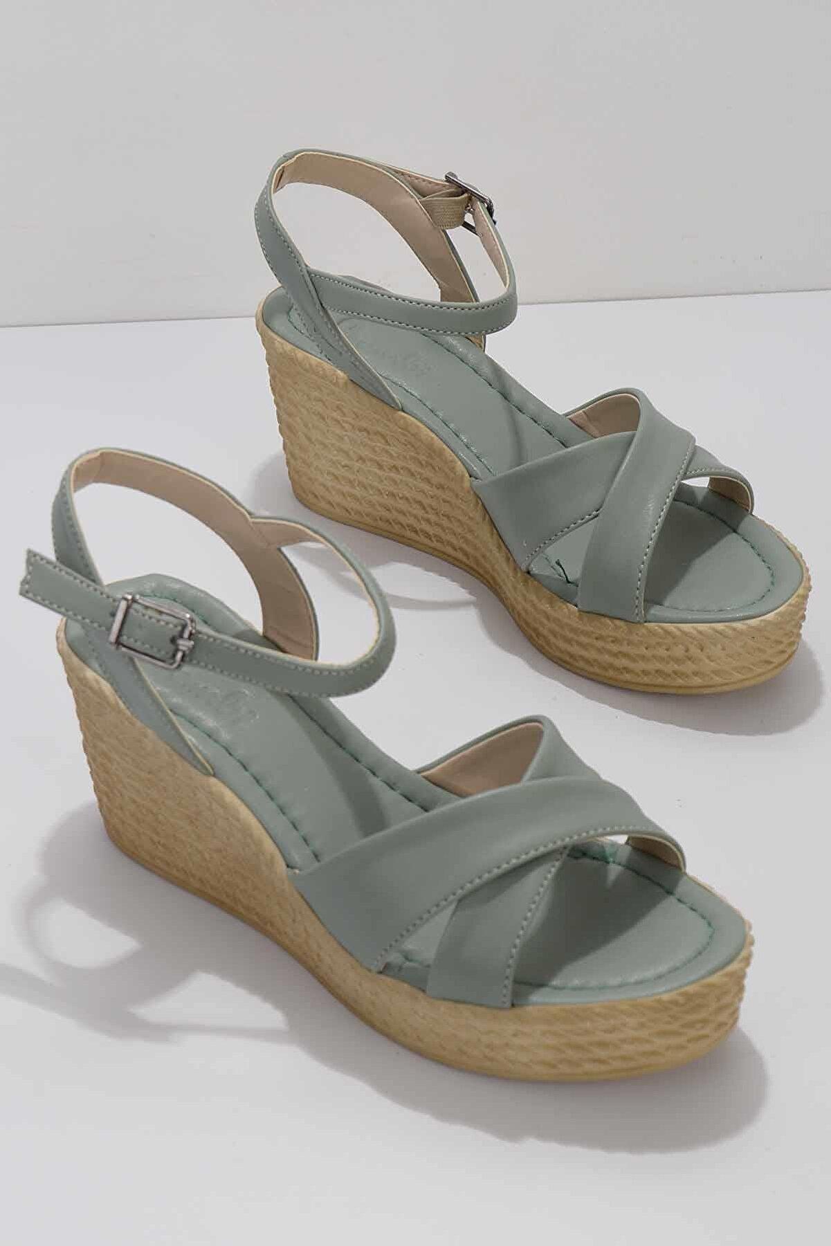 Bambi Su Yeşili Kadın Sandalet K05936021109