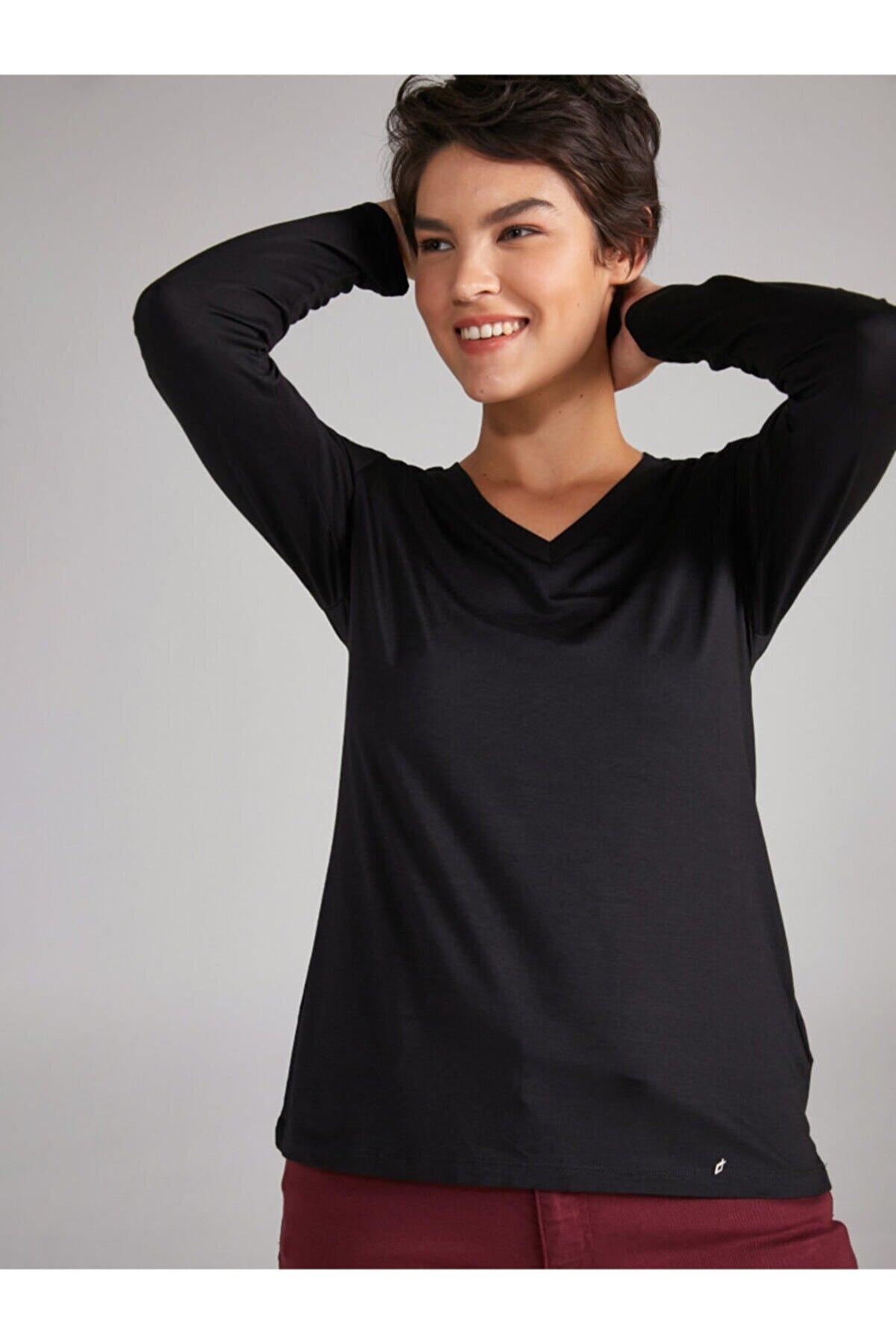Faik Sönmez Kadın Siyah V Yaka Uzun Kol T-shirt